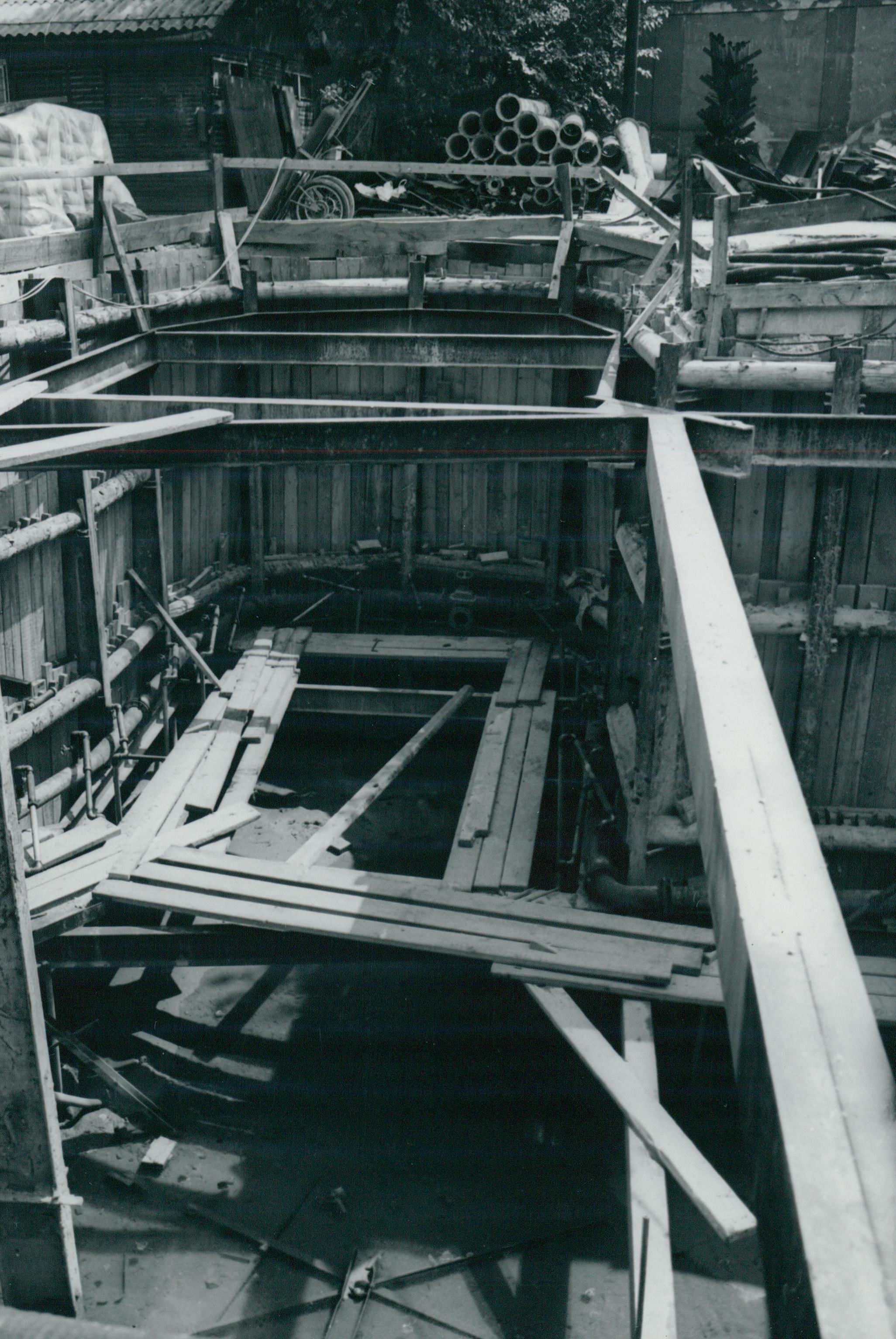 A 3-as metró Markusovszky téri aknájának felszín alatti elhúzása