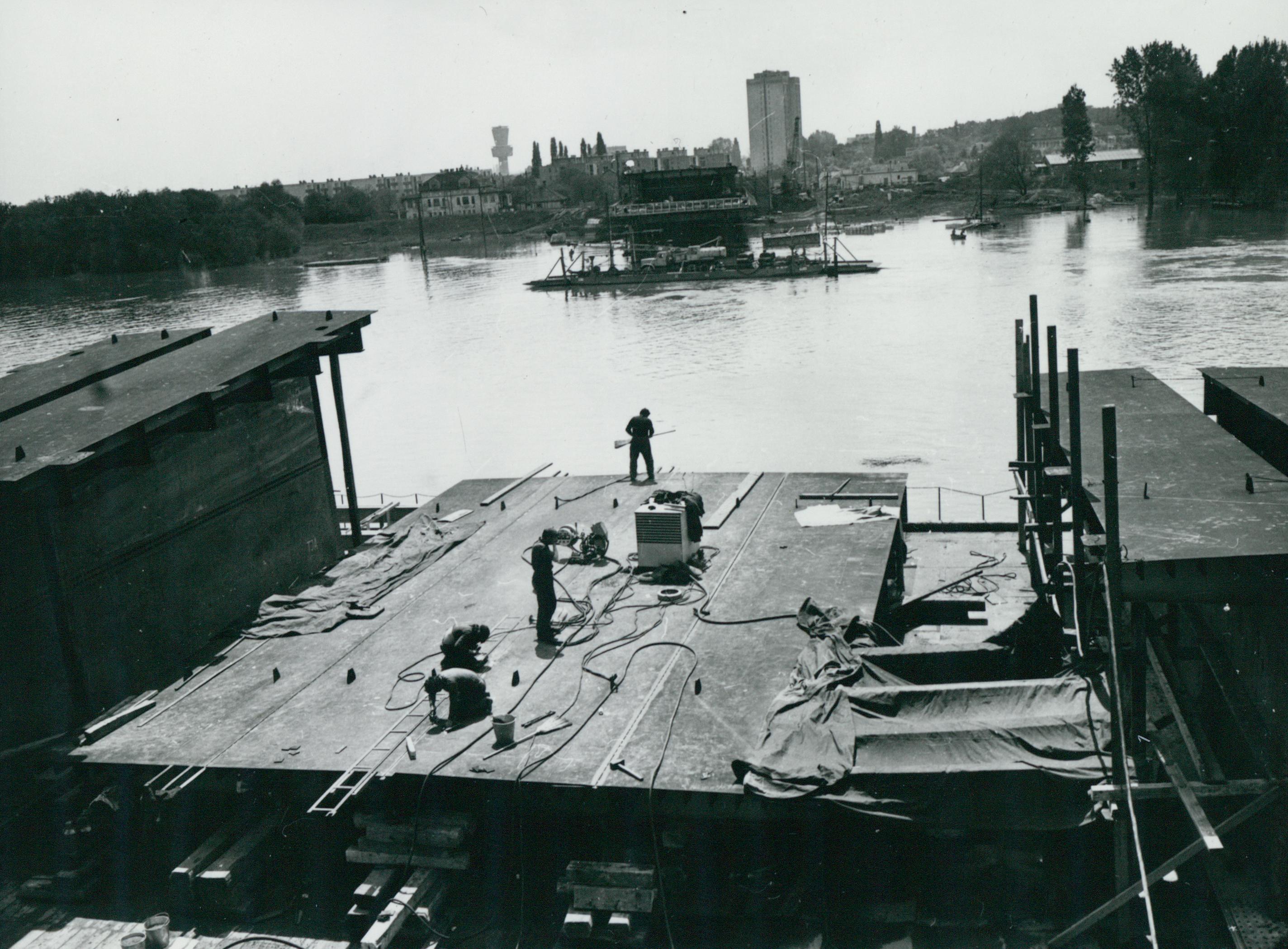 A szegedi új Tisza-híd (ma Bertalan híd) építése