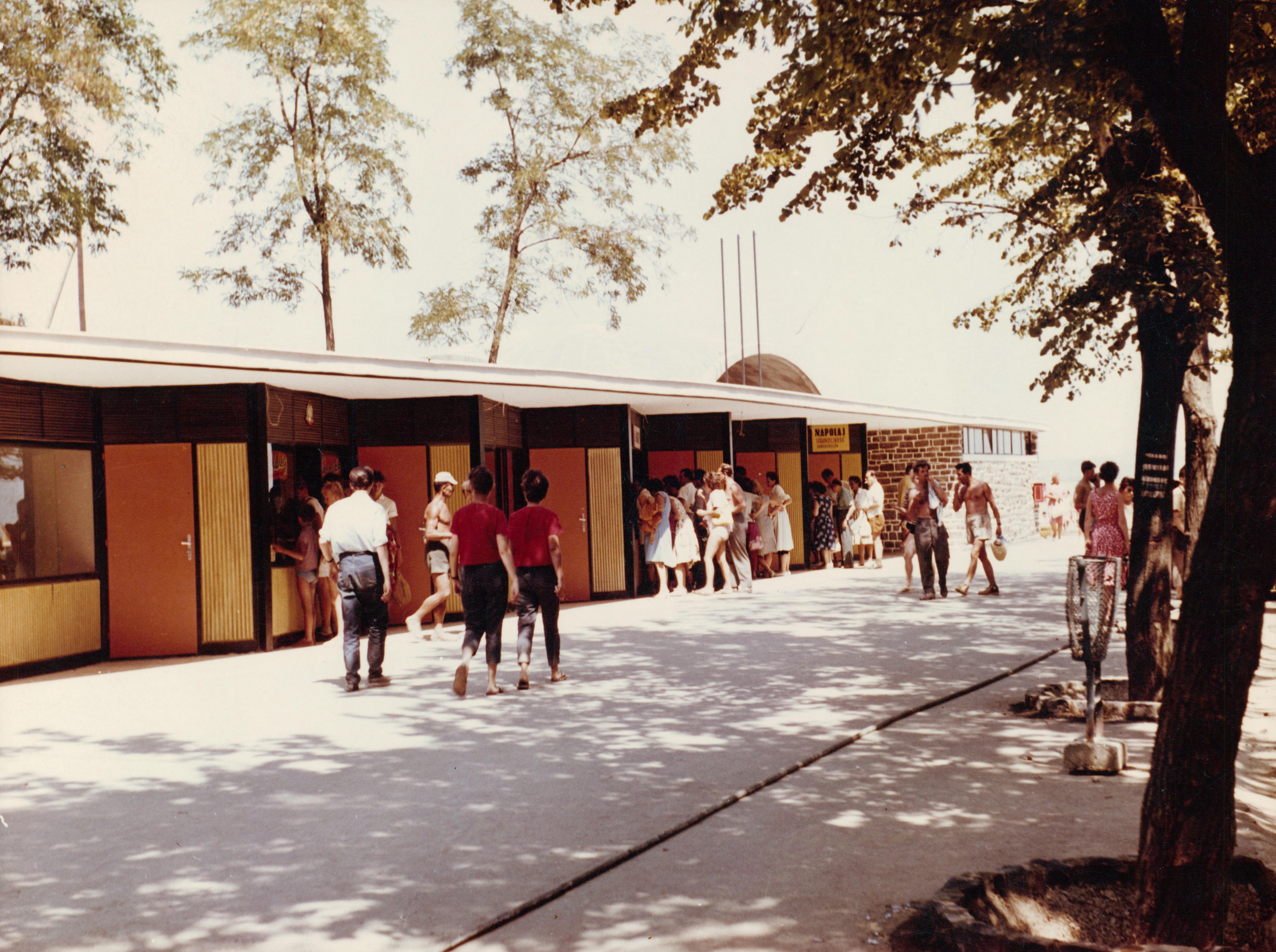 A tihanyi Alsóközpont bazársora