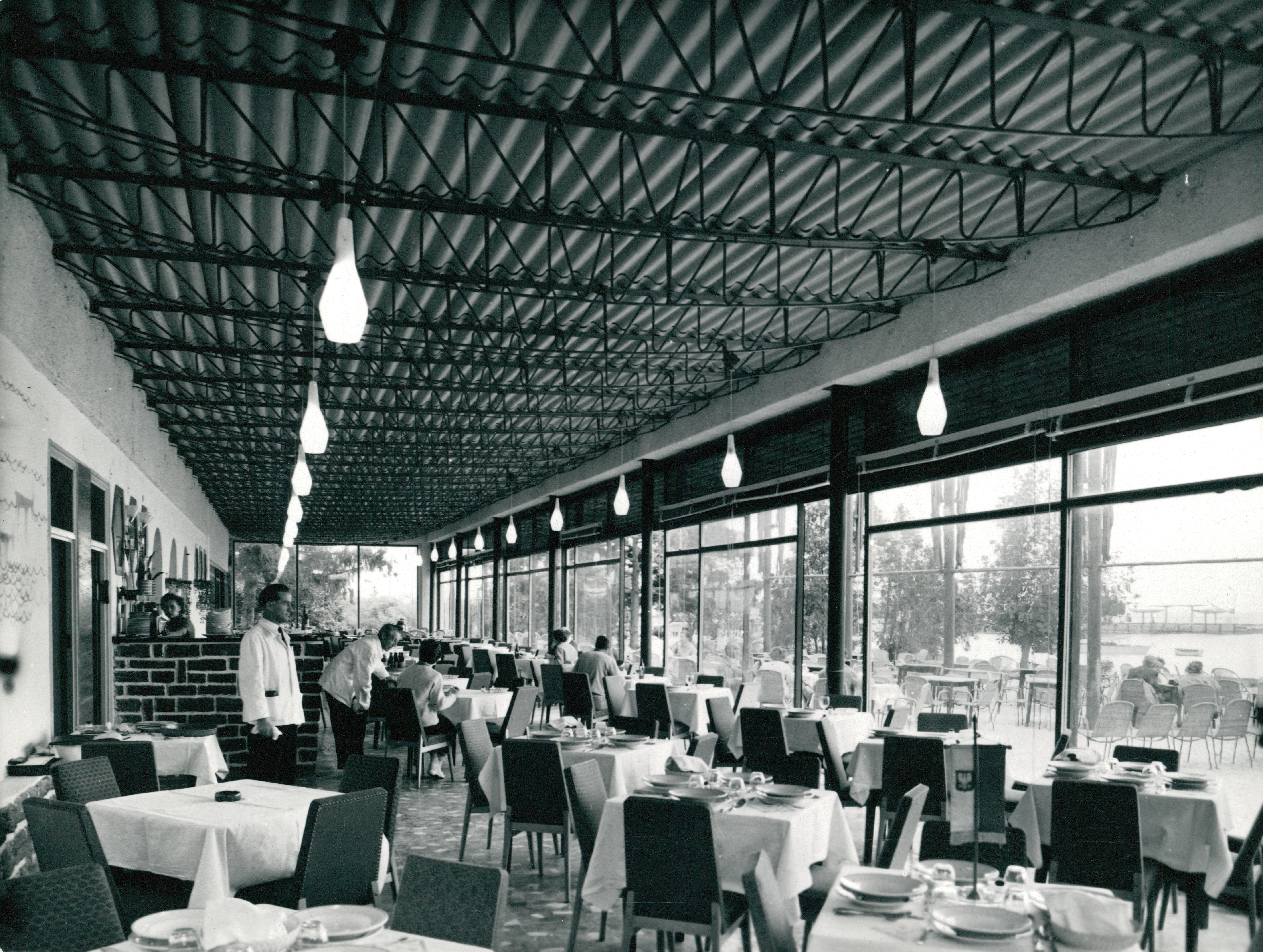 A tihanyi Sport Szálló étterme