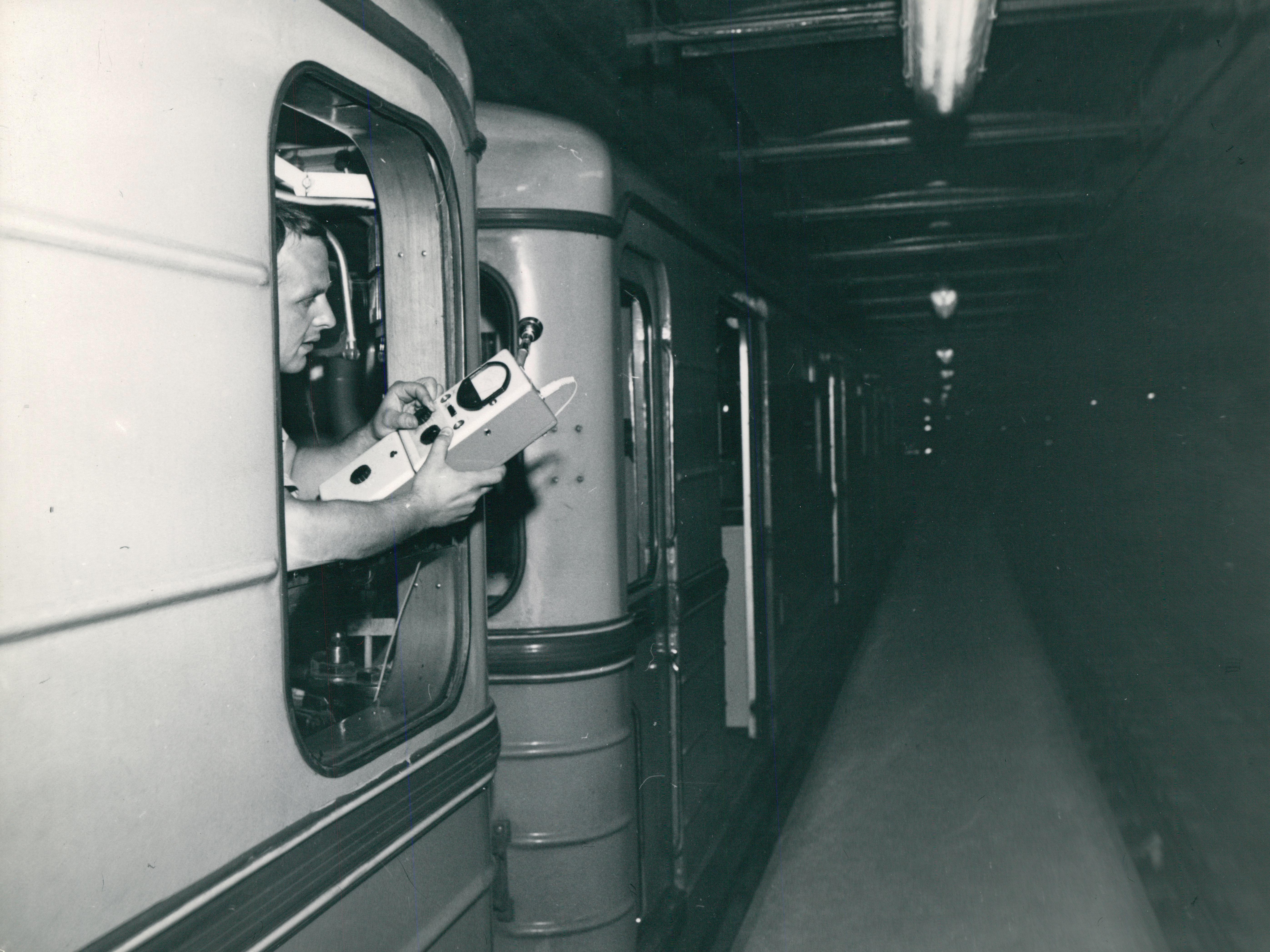 Mérés metrókocsiból