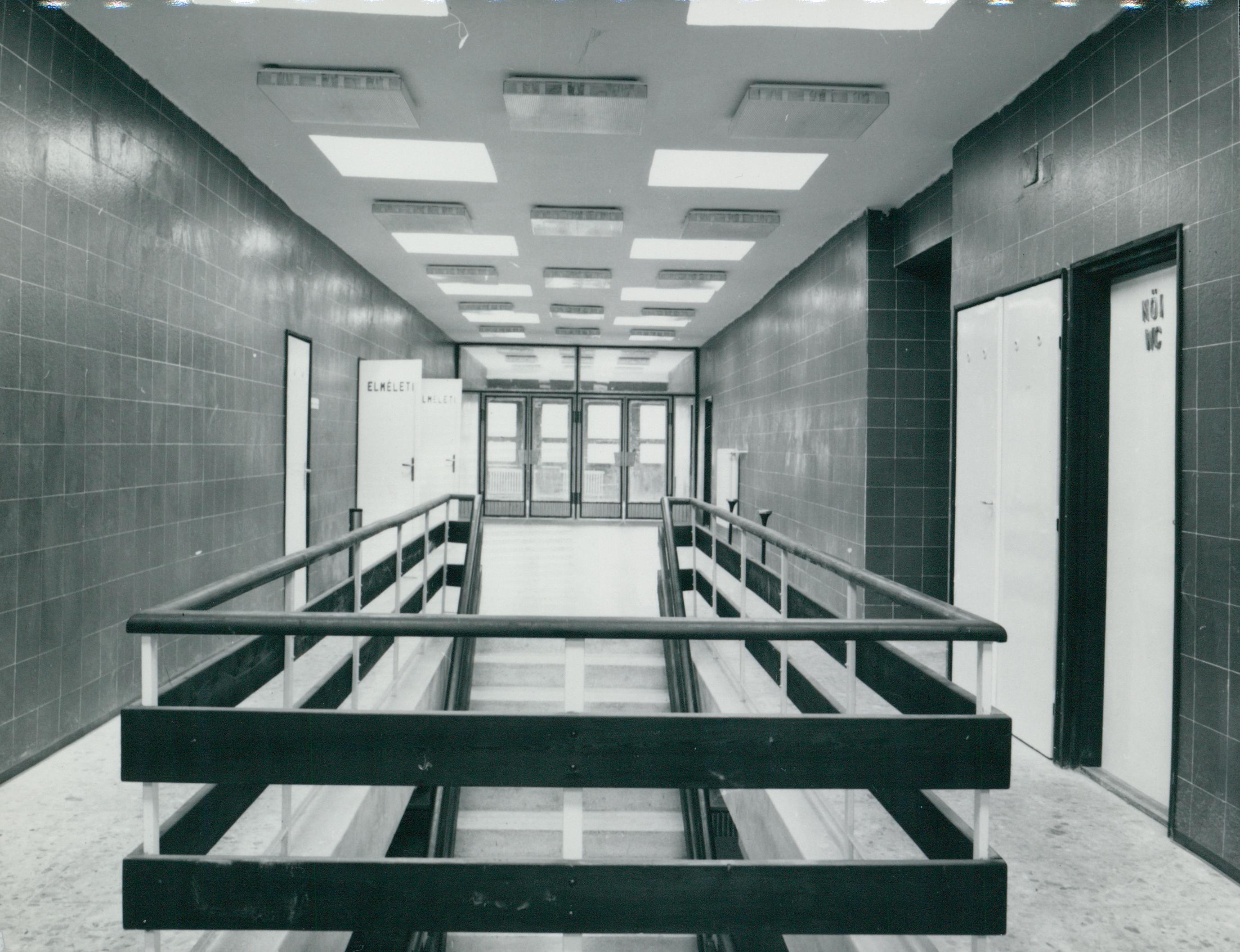 A veszprémi ATI (Autóközlekedési Tanintézet) lépcsőháza