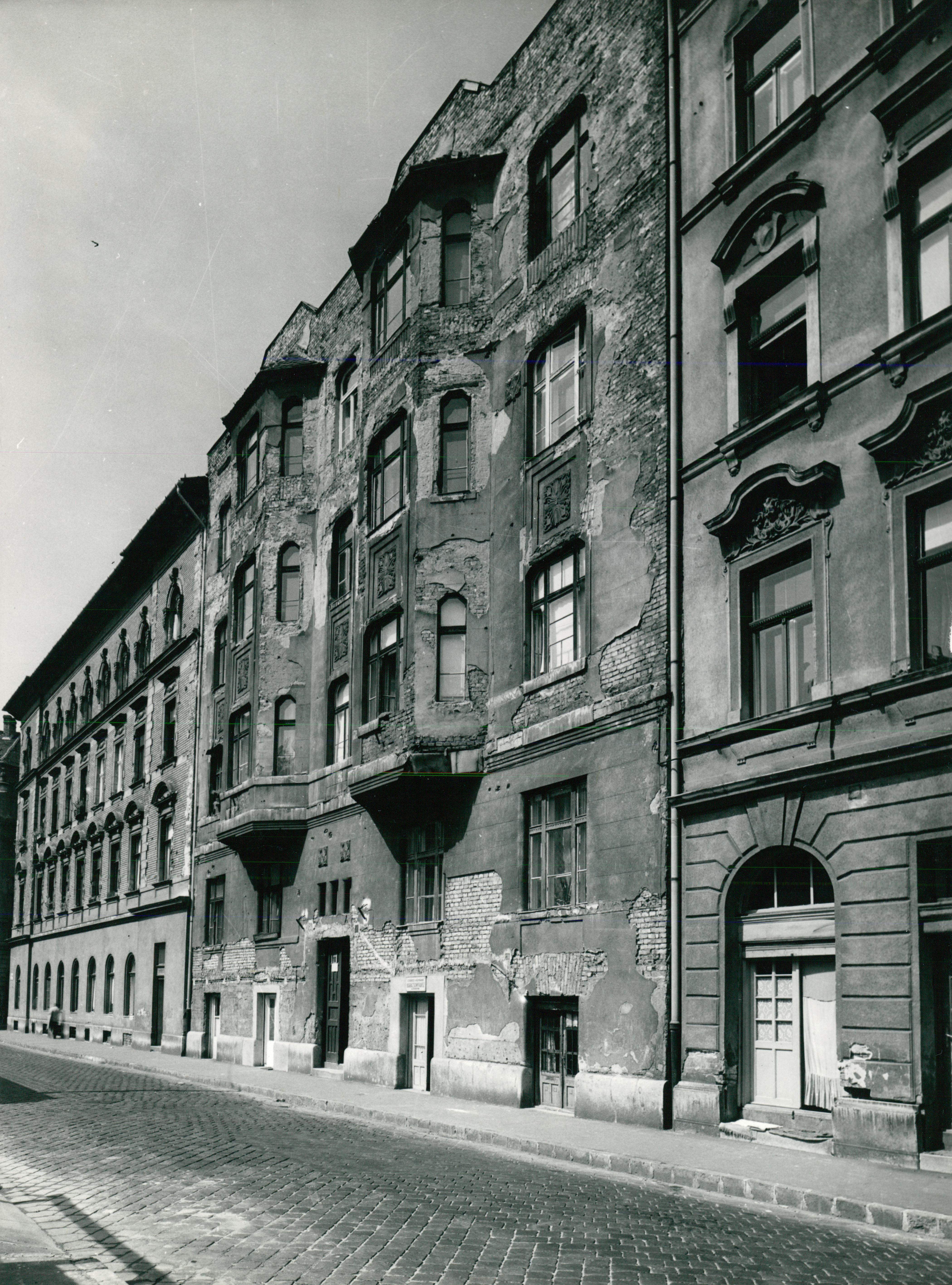 A Magdolna utca 10/b. szám alatti bérház