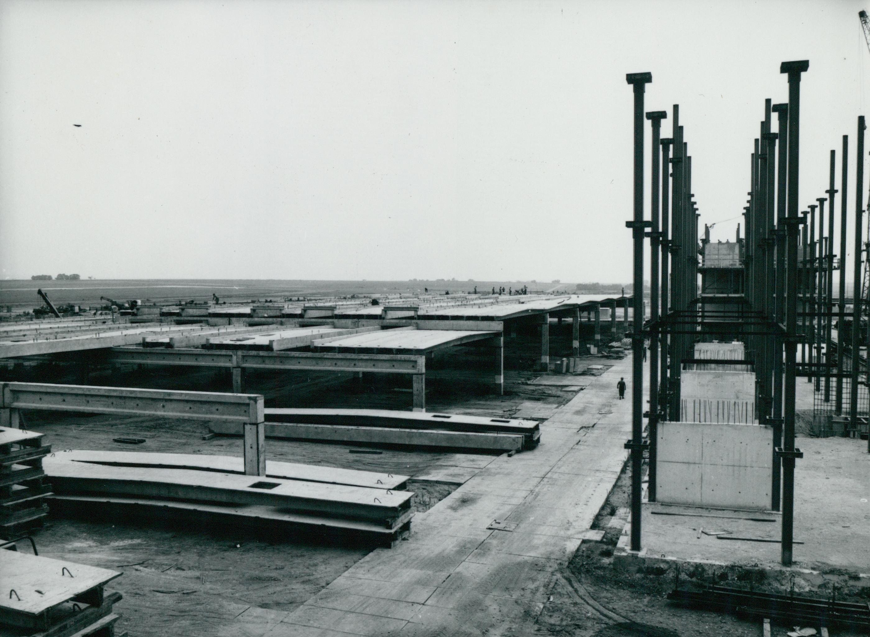 Hangár építése Ferihegyen
