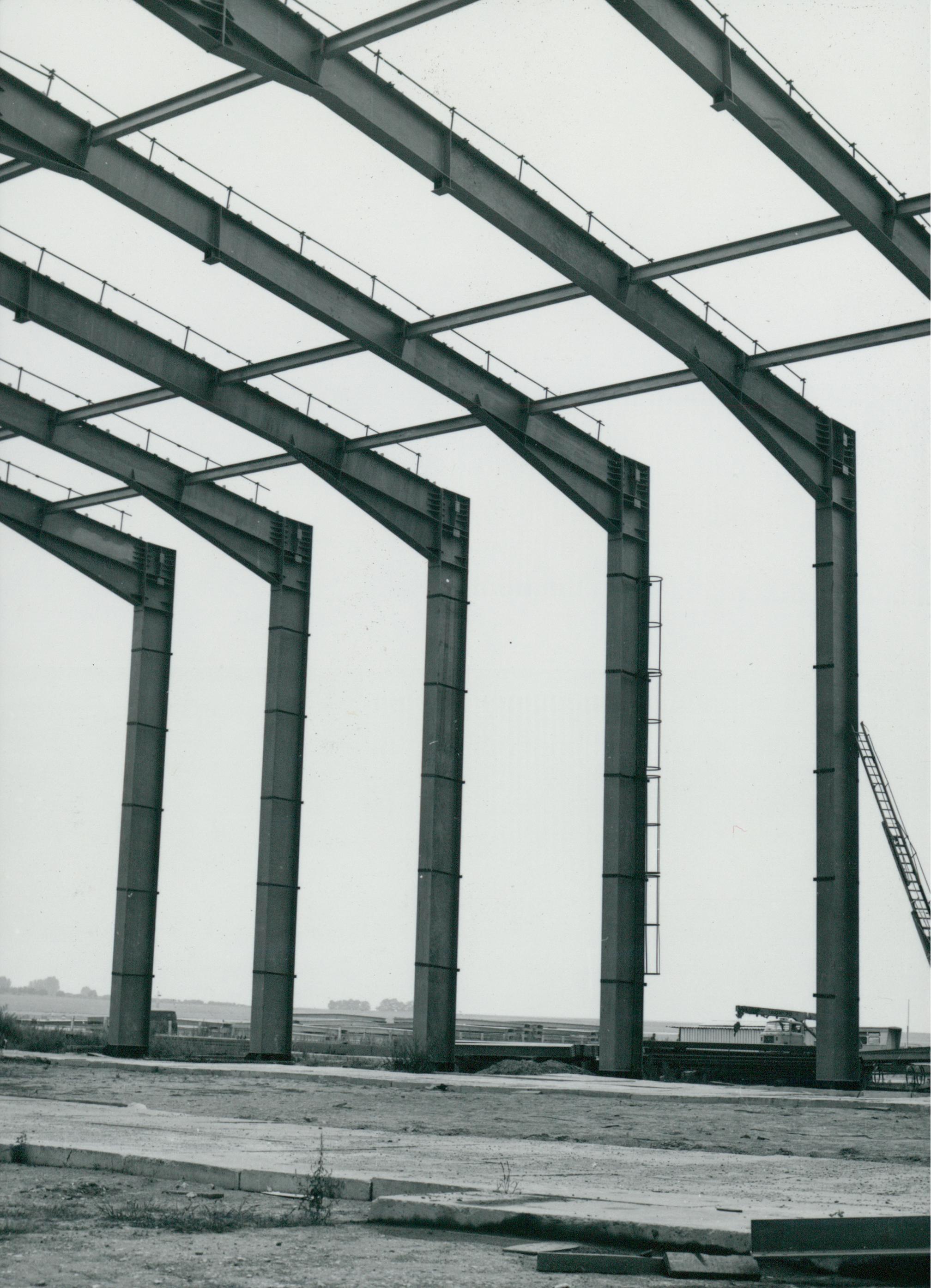 A ferihegyi repülőtér egyik hangárjának vázszerkezete