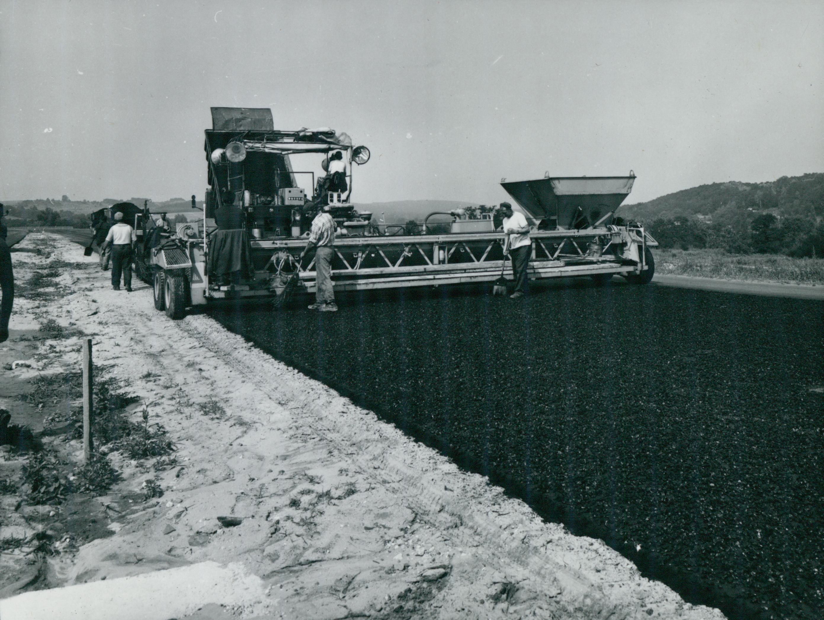 Az M3-as autópálya építése