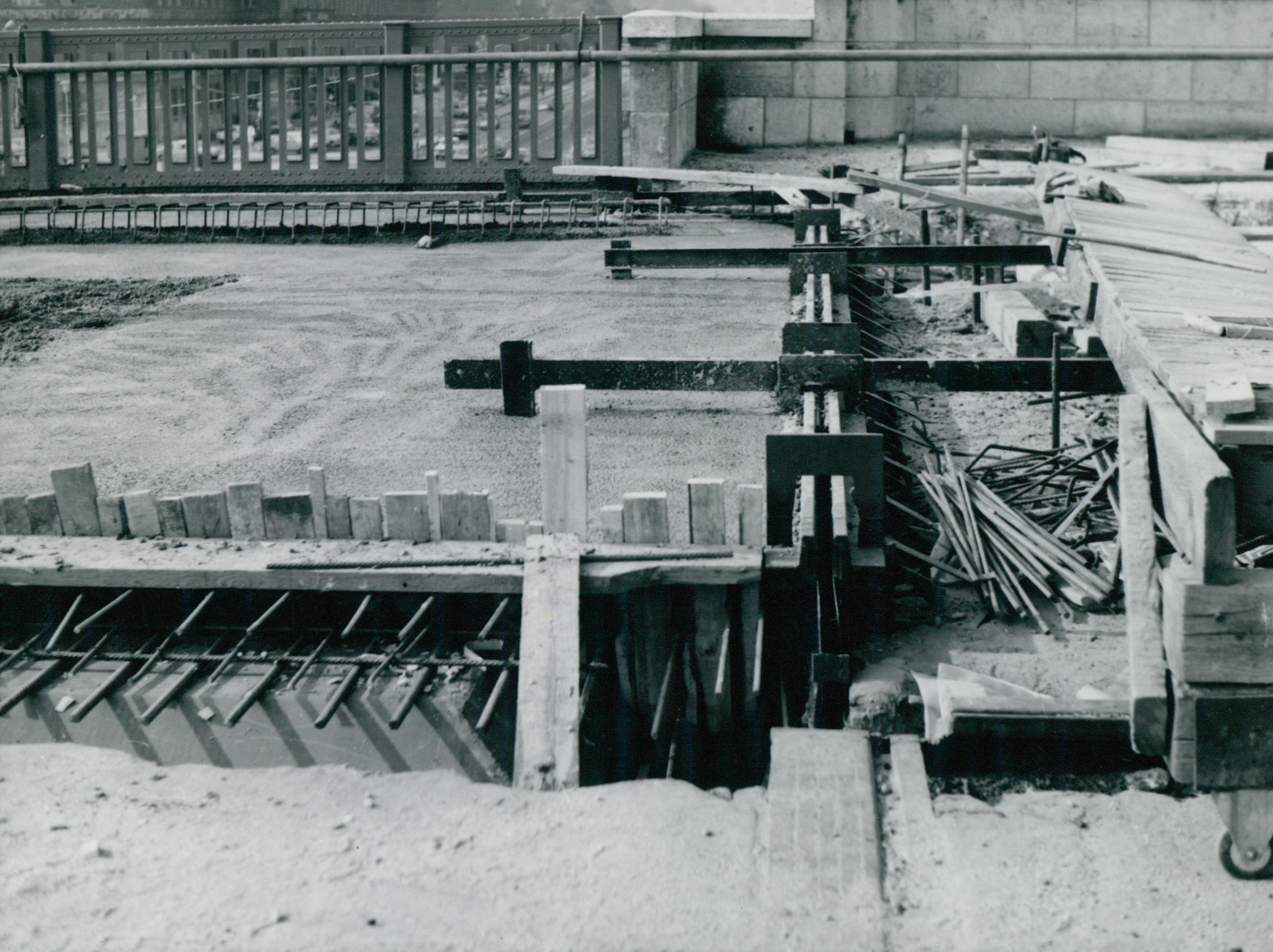 Dilatációs vonal kialakítása a Petőfi híd tatarozása közben