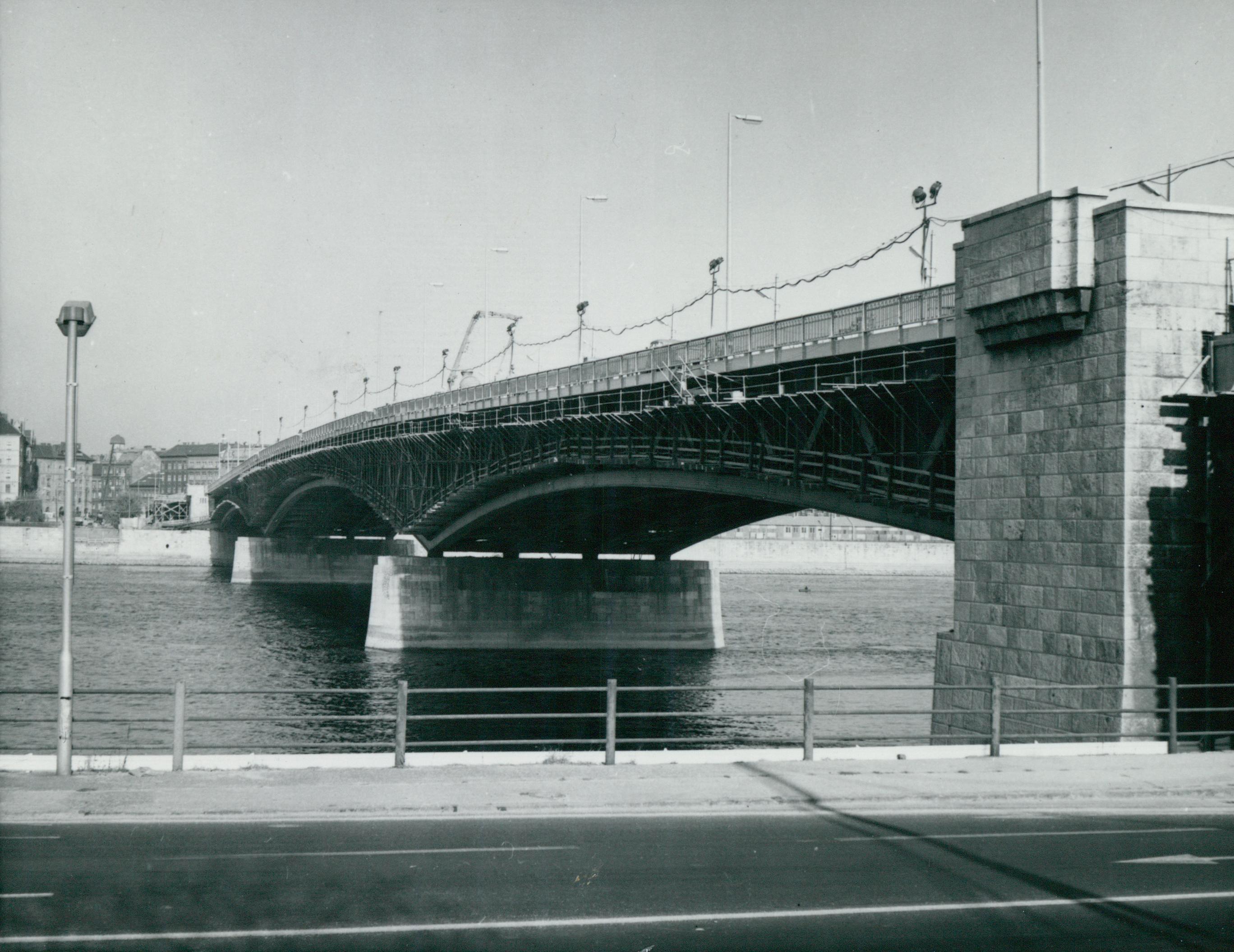A Petőfi híd
