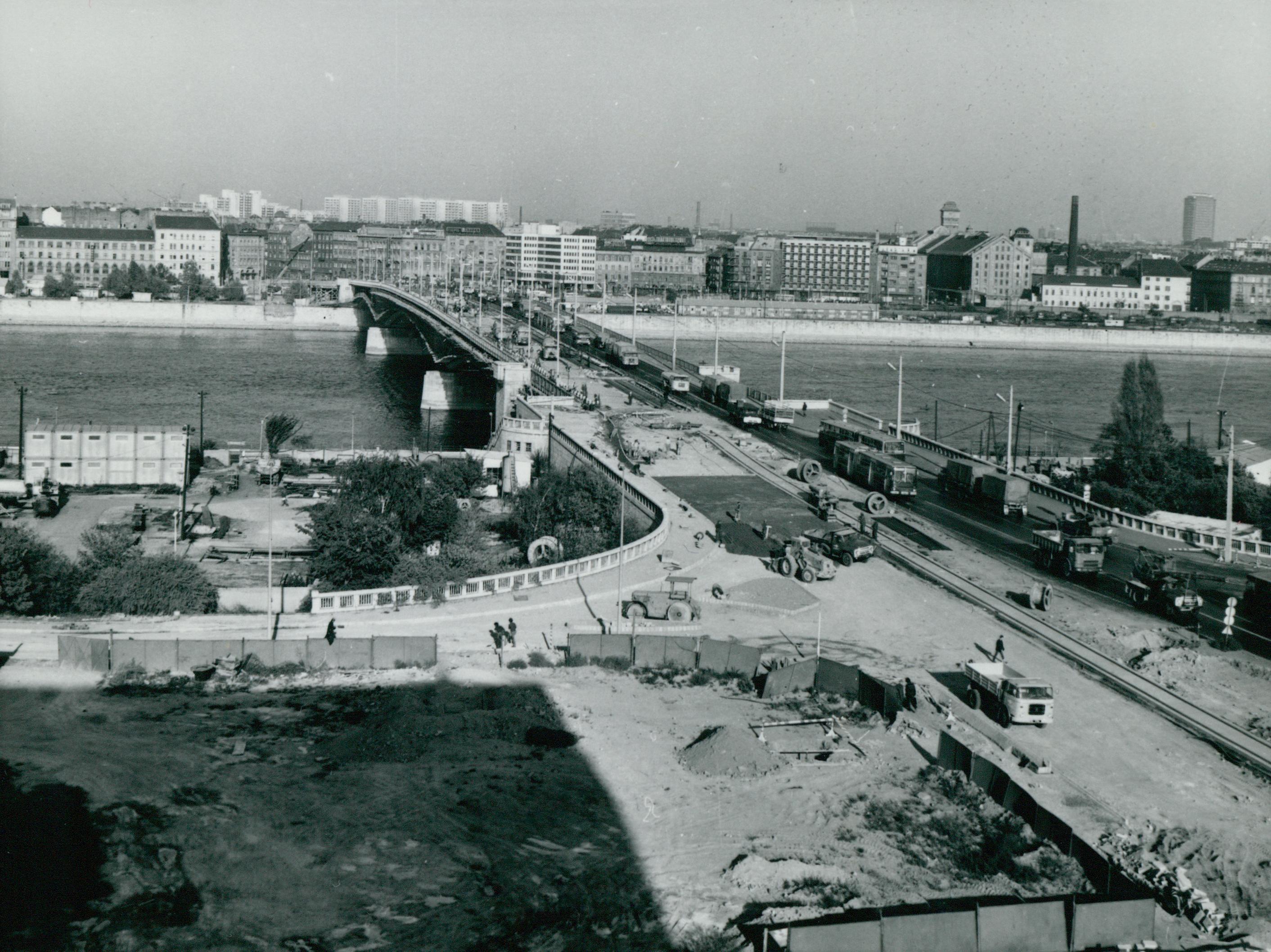 A Petőfi híd rekonstrukciója