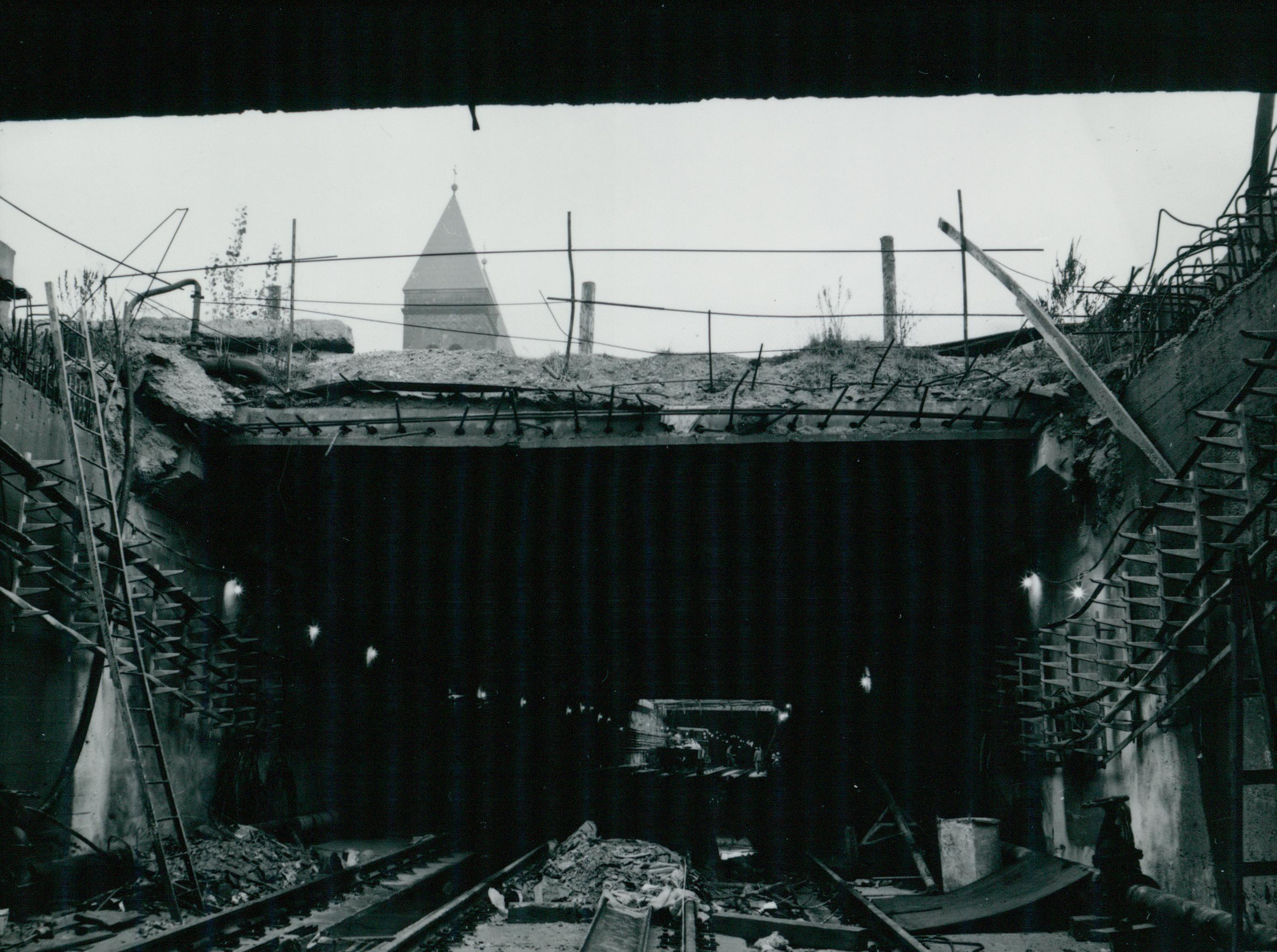 Födém építése a 3-as metró Ecseri úti megállójánál