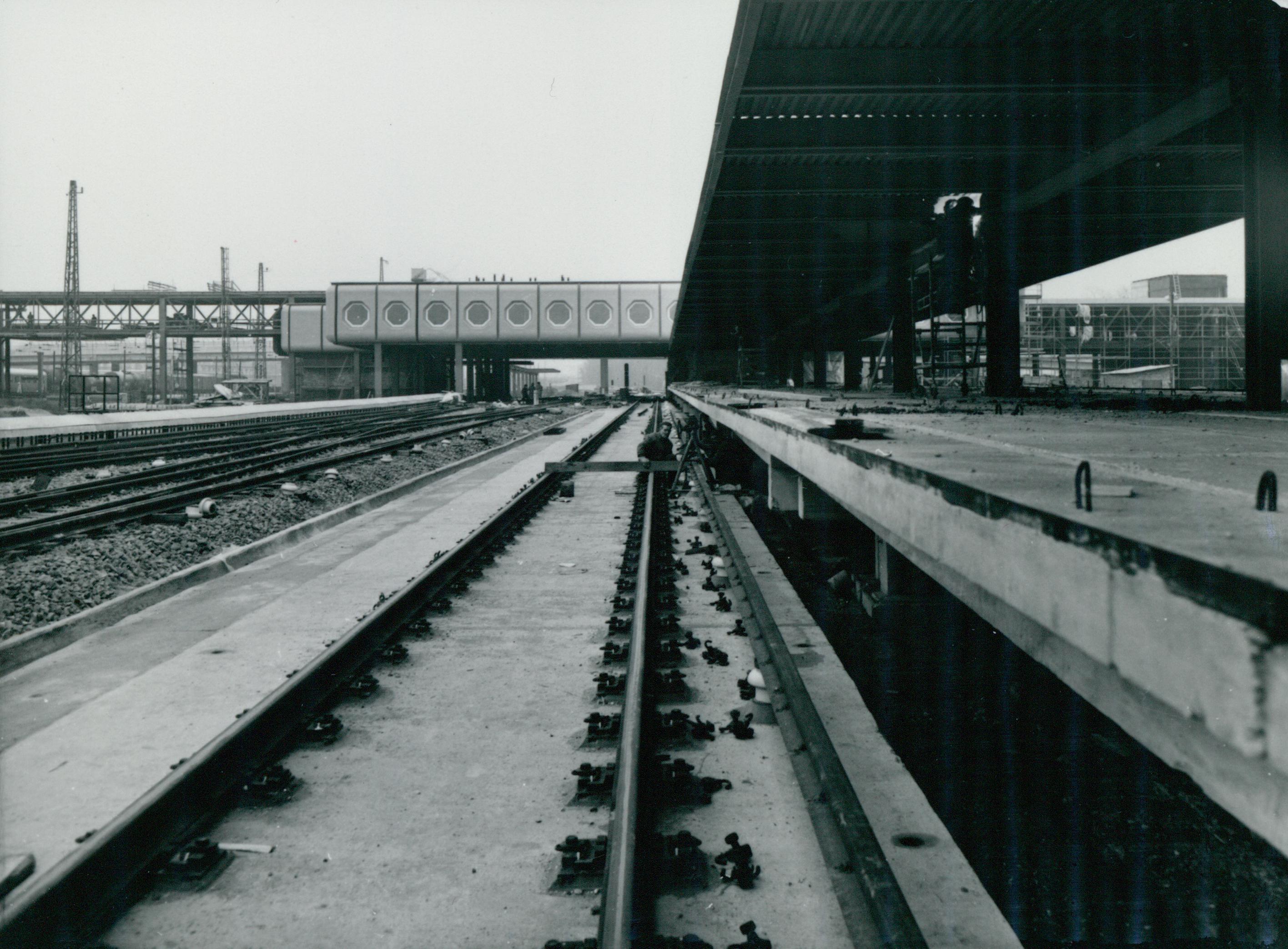 A kőbánya-kispesti MÁV-METRÓ állomás építése