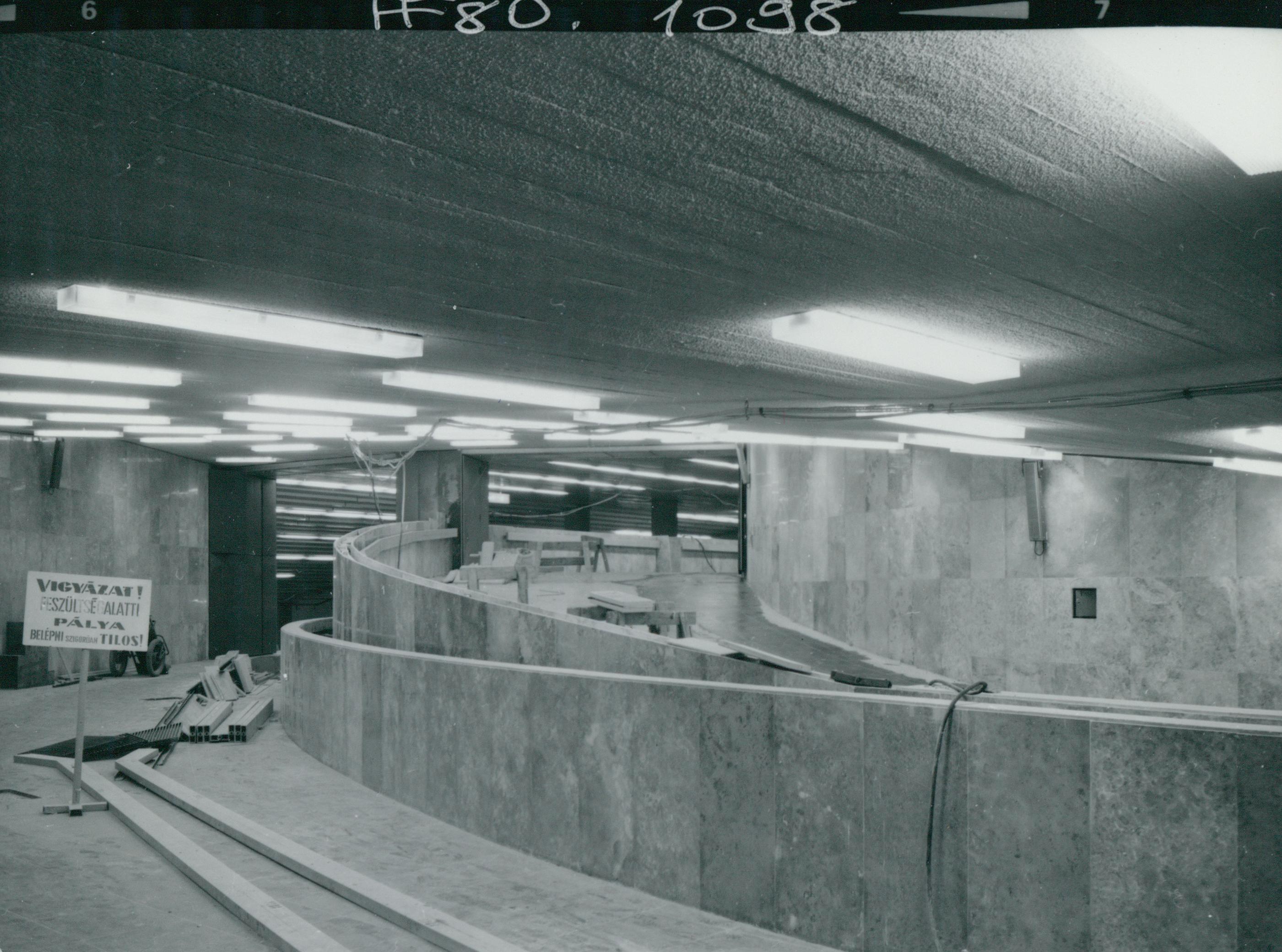 A 3-as metró Határ úti megállójának építése