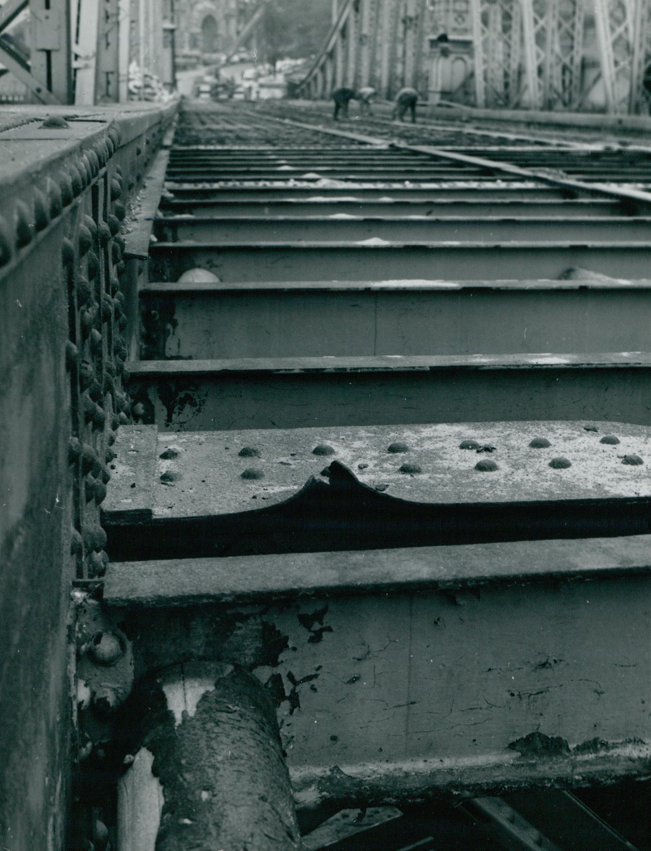 A Szabadság híd korrodálódott acél felszerkezeti eleme