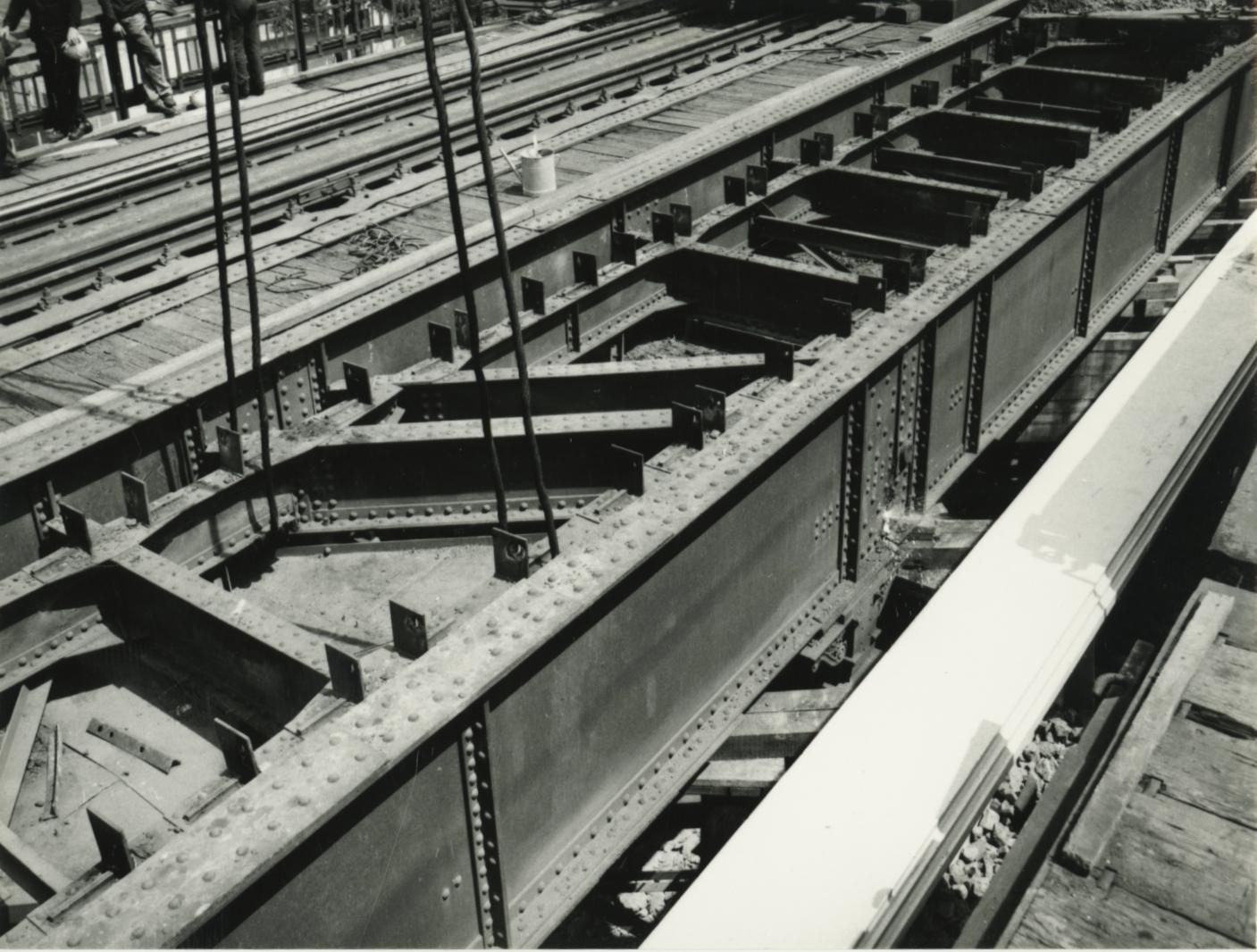 Ecseri úti vasúti híd, a régi tag kiemelése