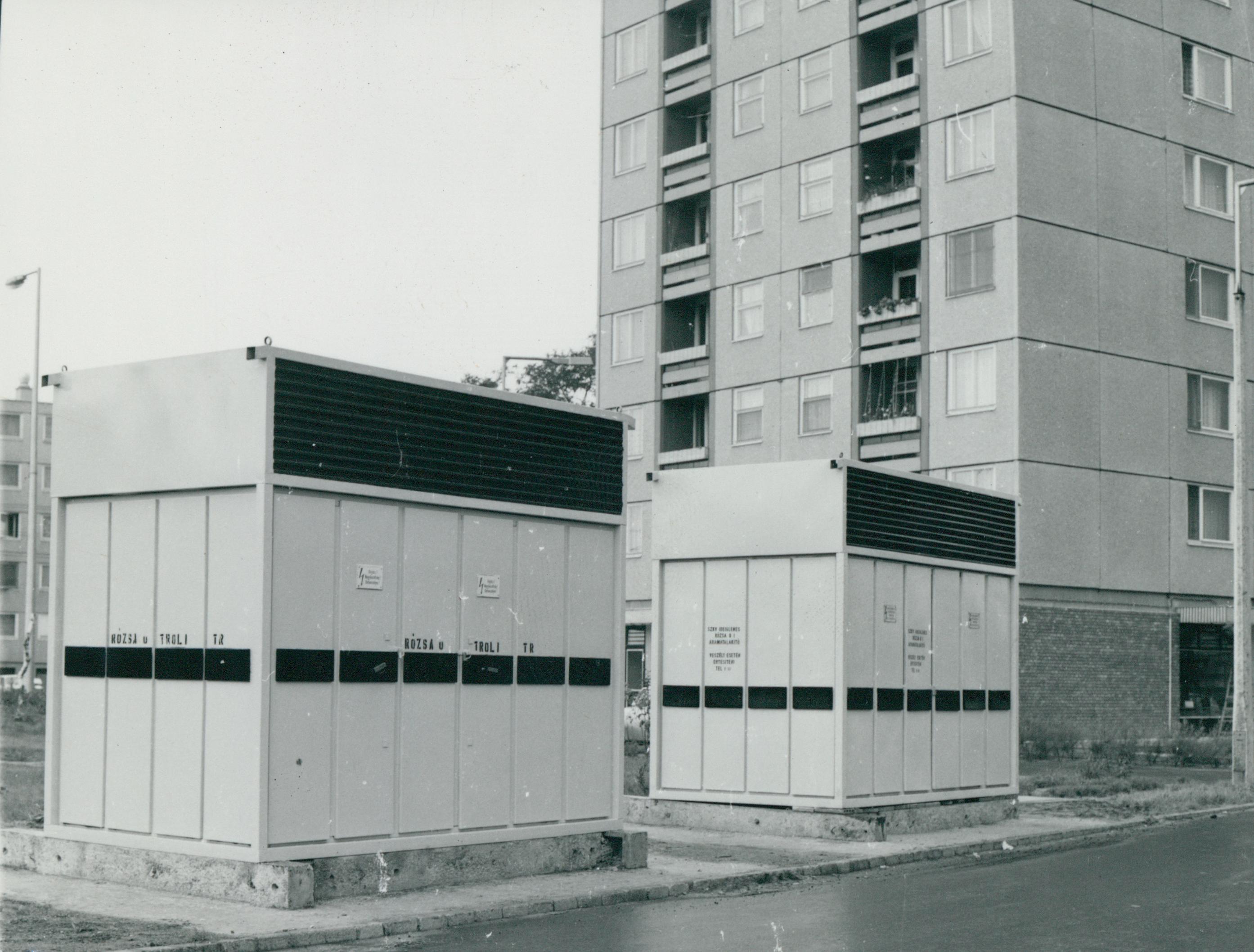 Trafóházak lakótelepen