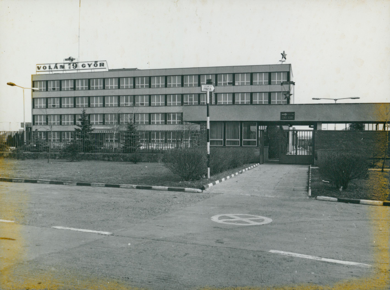 A győri VOLÁN telep irodaháza