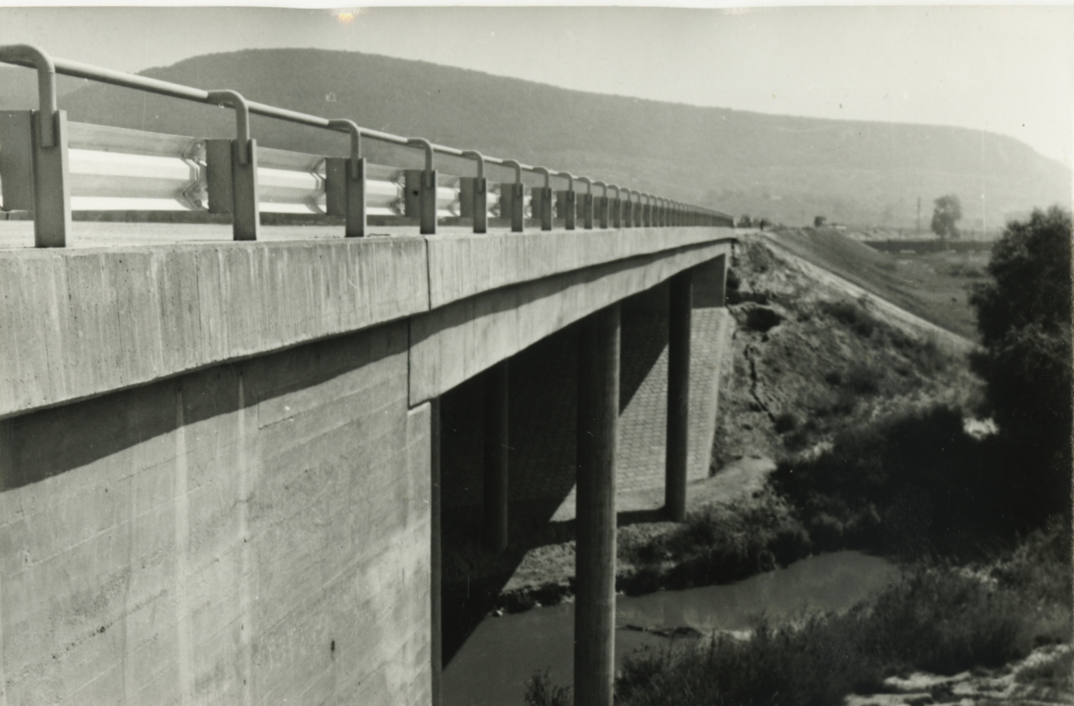 Által-ér híd az M1-es autópályán