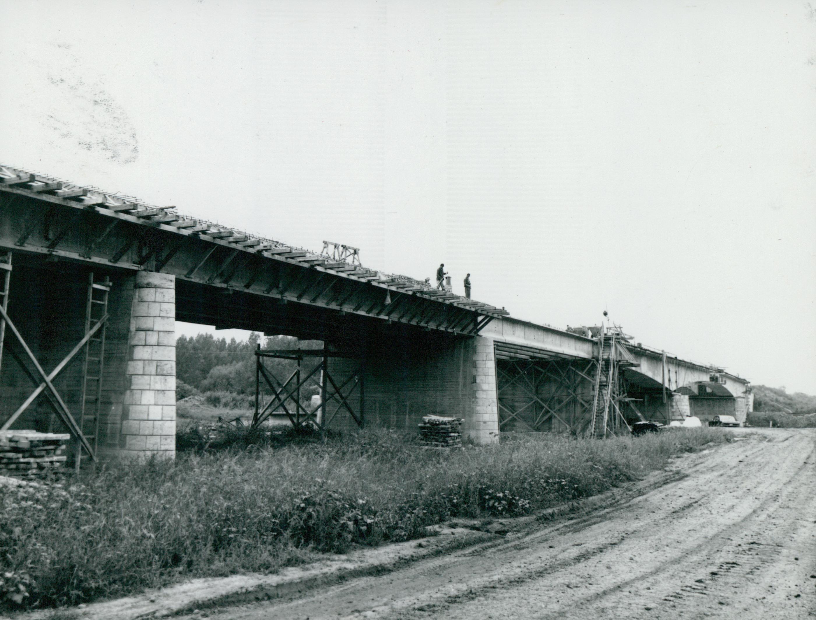 A 44-es főút épülő kunszentmártoni hídja