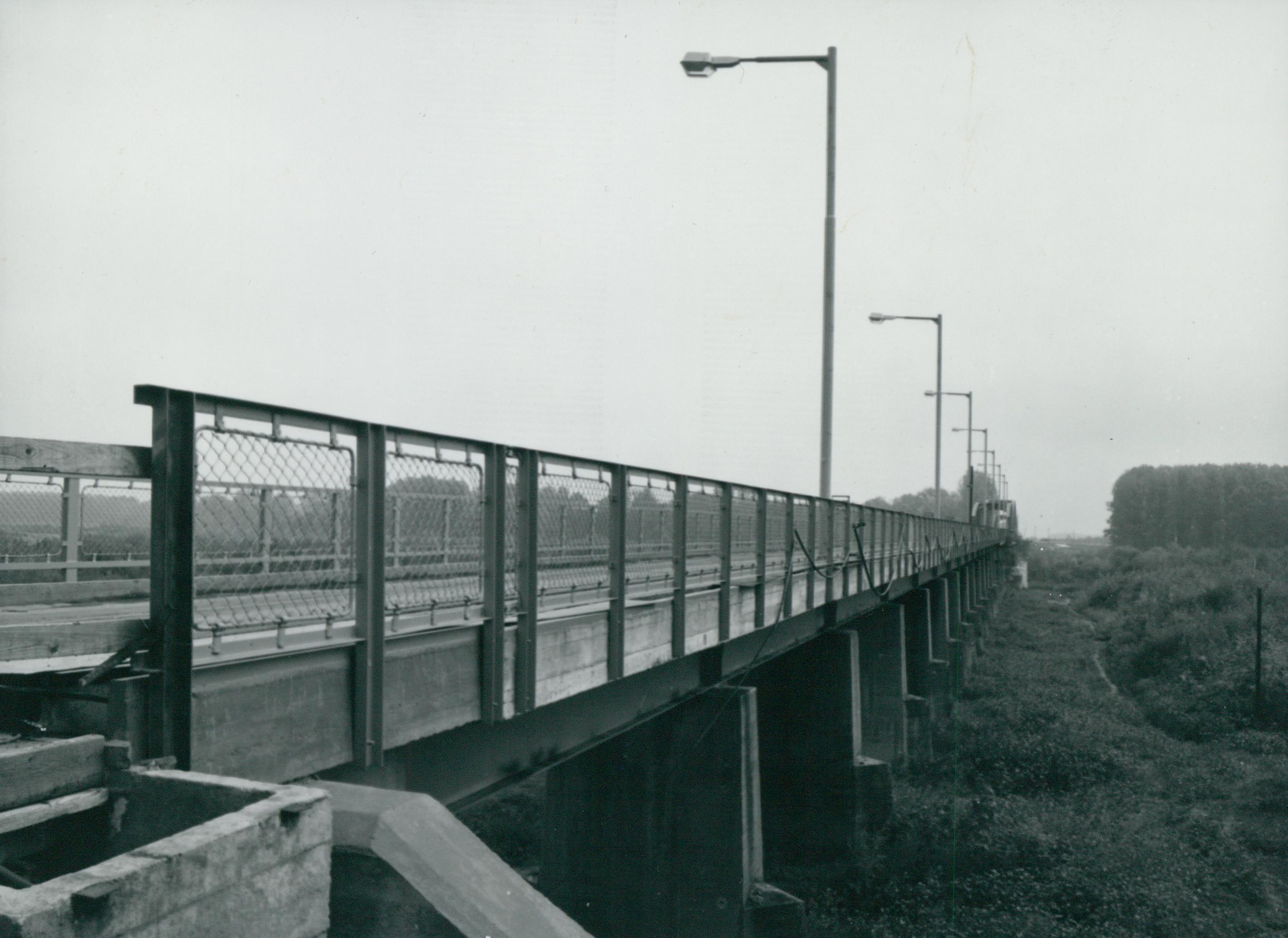A kiskörei vasúti-híd építése