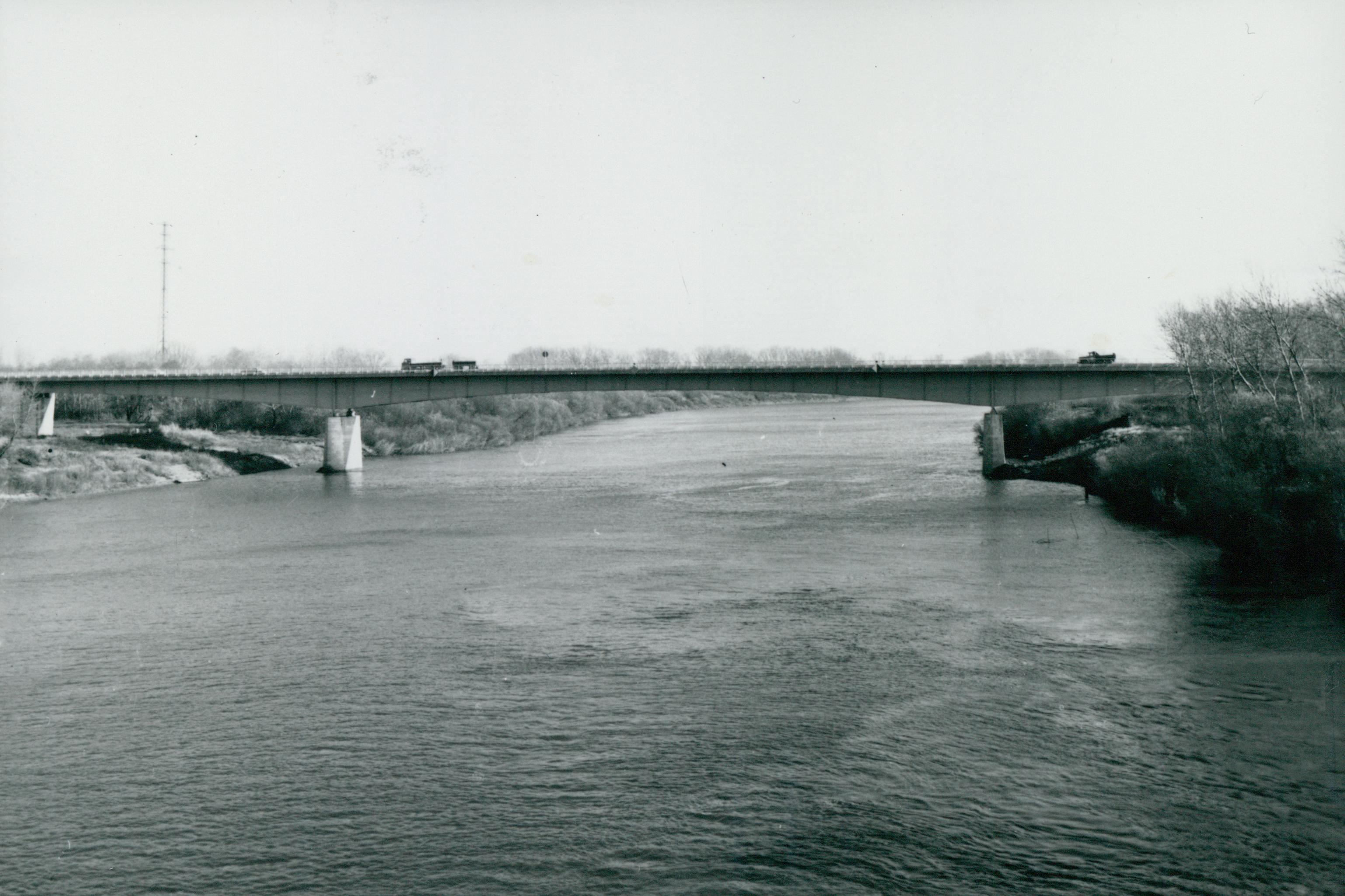 Az Algyői közúti Tisza-híd