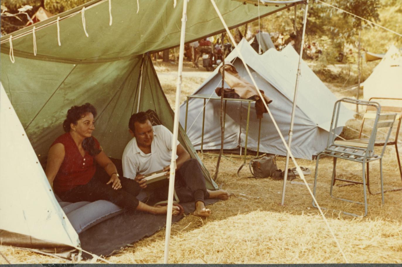 Életkép a tihanyi kempingben