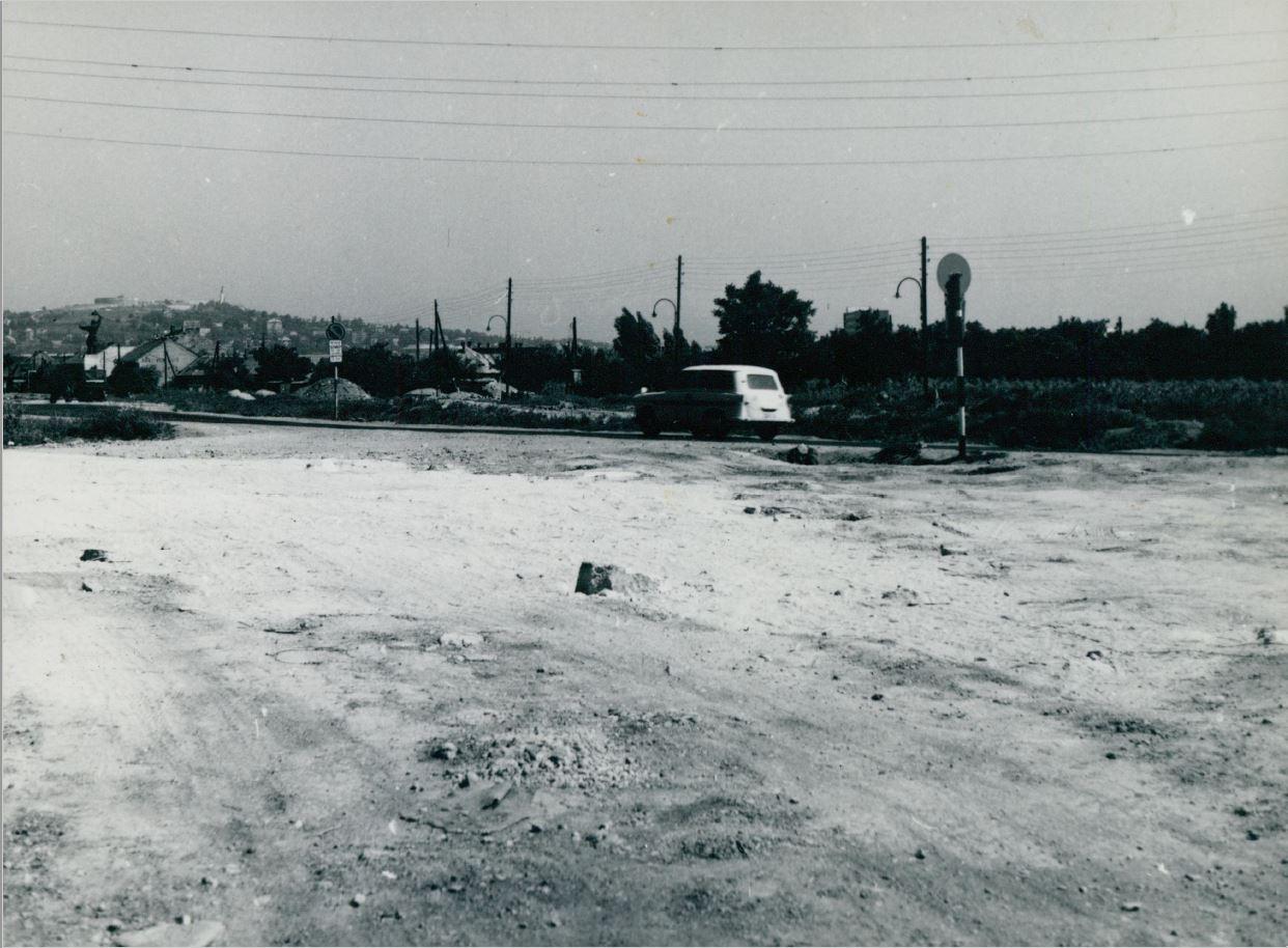 Az M1-es és M7-es autópálya bevezető szakaszának kiépítése az Osztapenkónál