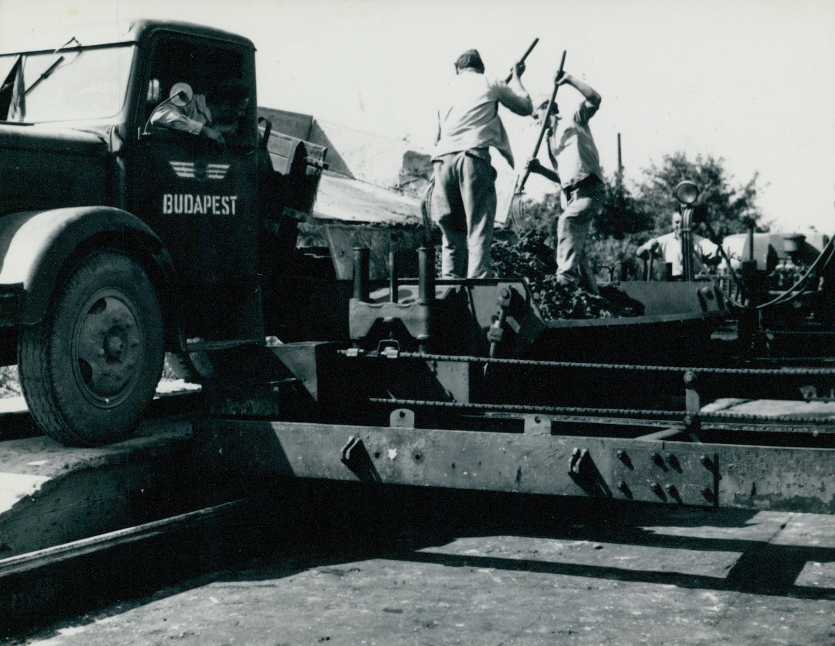 Autóút építése