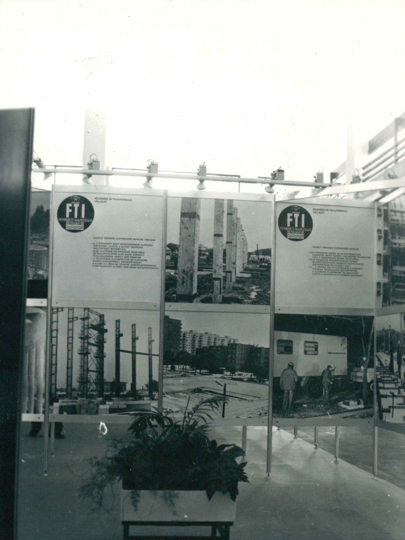 """""""Építettük 78-ban"""" című kiállítás az FTI tablóin"""
