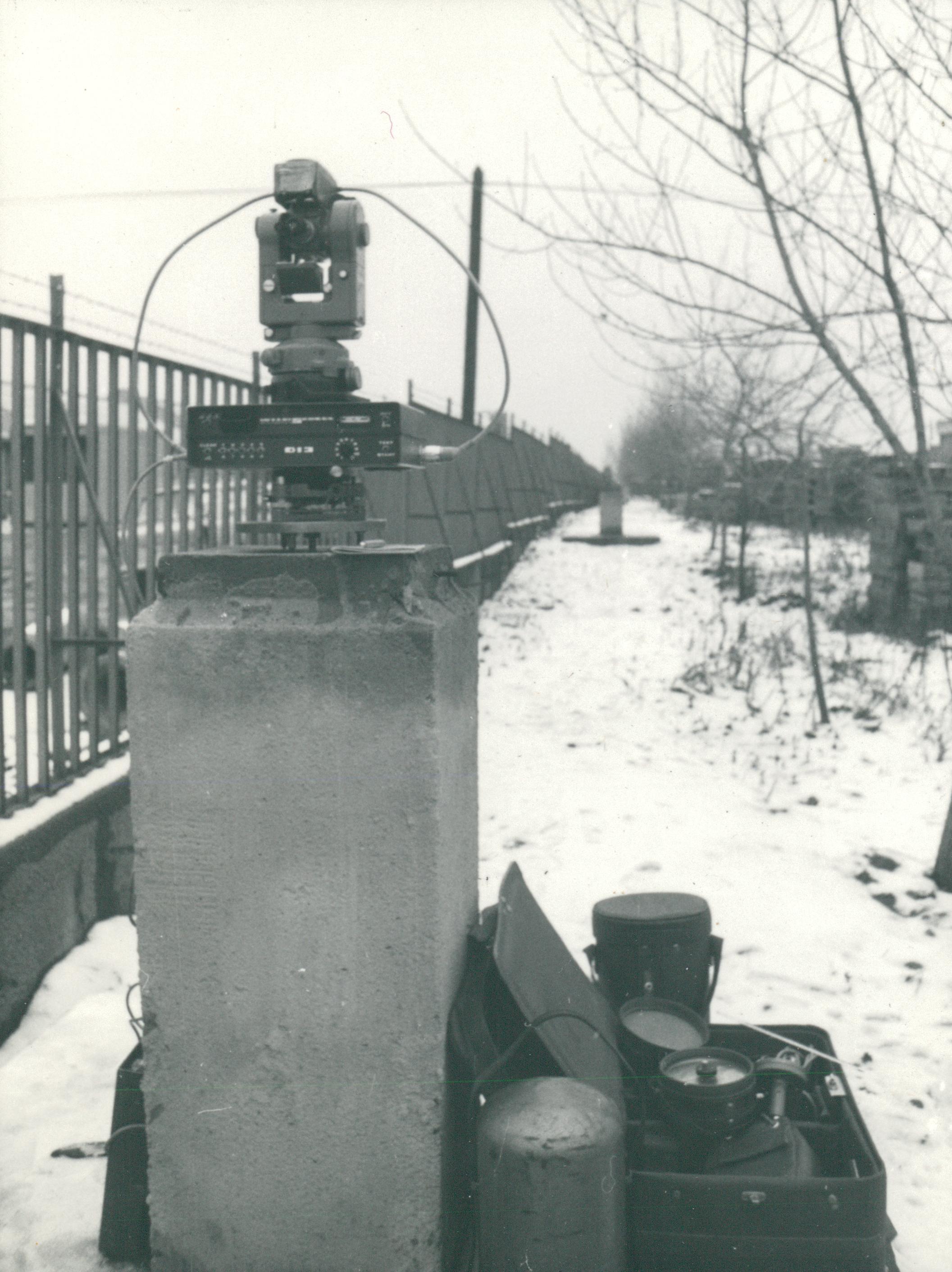 Elektromos távmérők DI-3, DI-10, T-3 használat közben