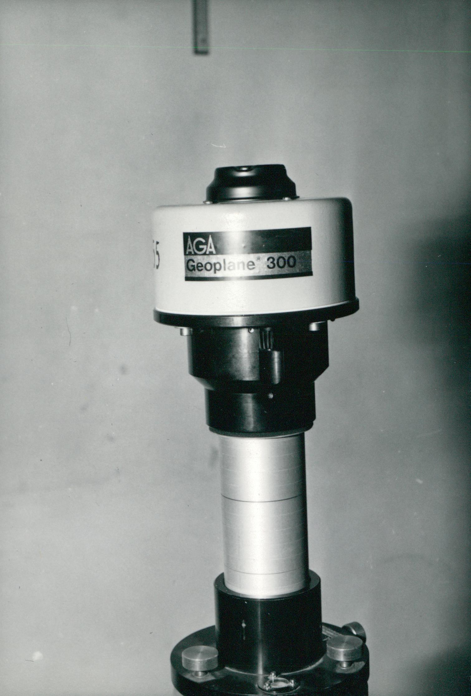 Műszaki telep és geodéziai műszerek fotói