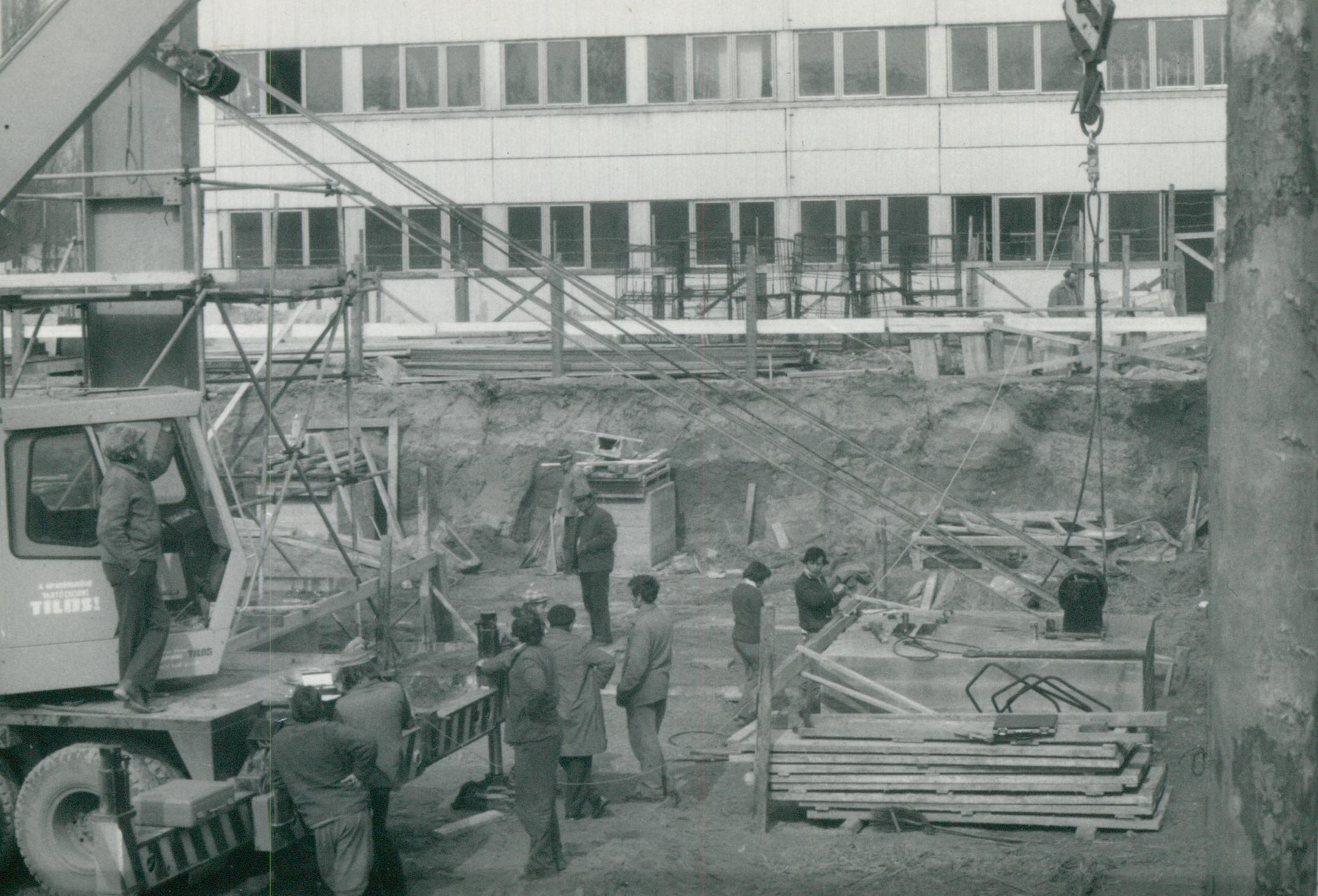 A debreceni DMTE sportcsarnok alapozása