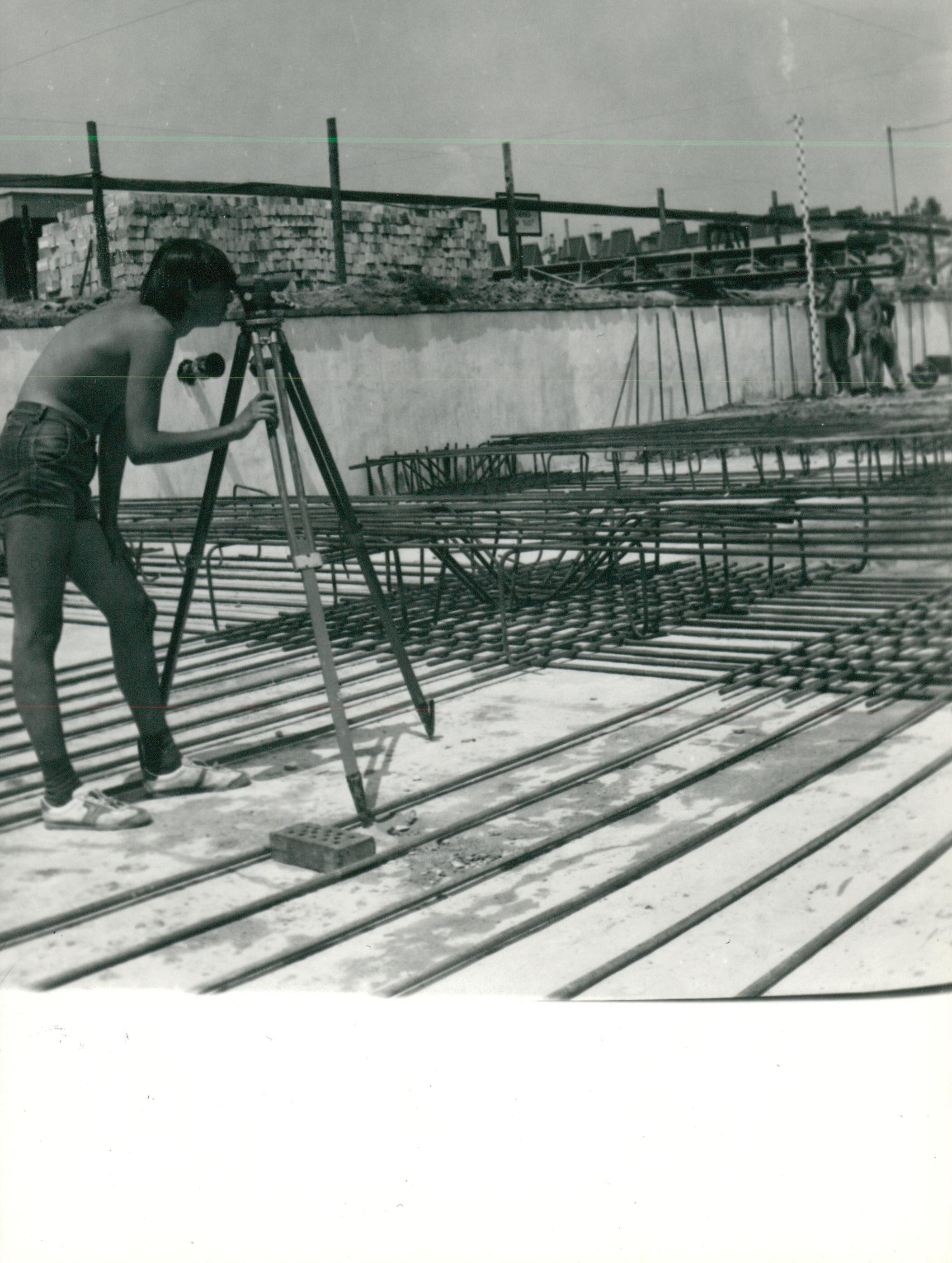 Labortömb építése az FTI műszaki telepén