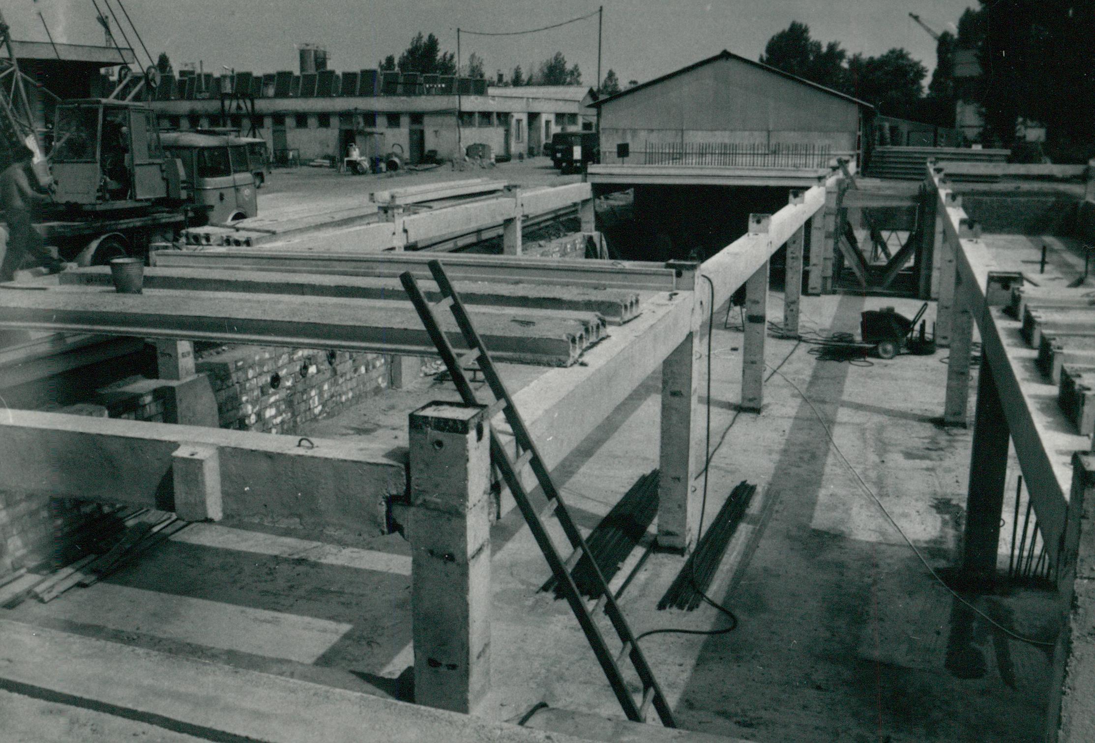 Műszaki labortömb építése