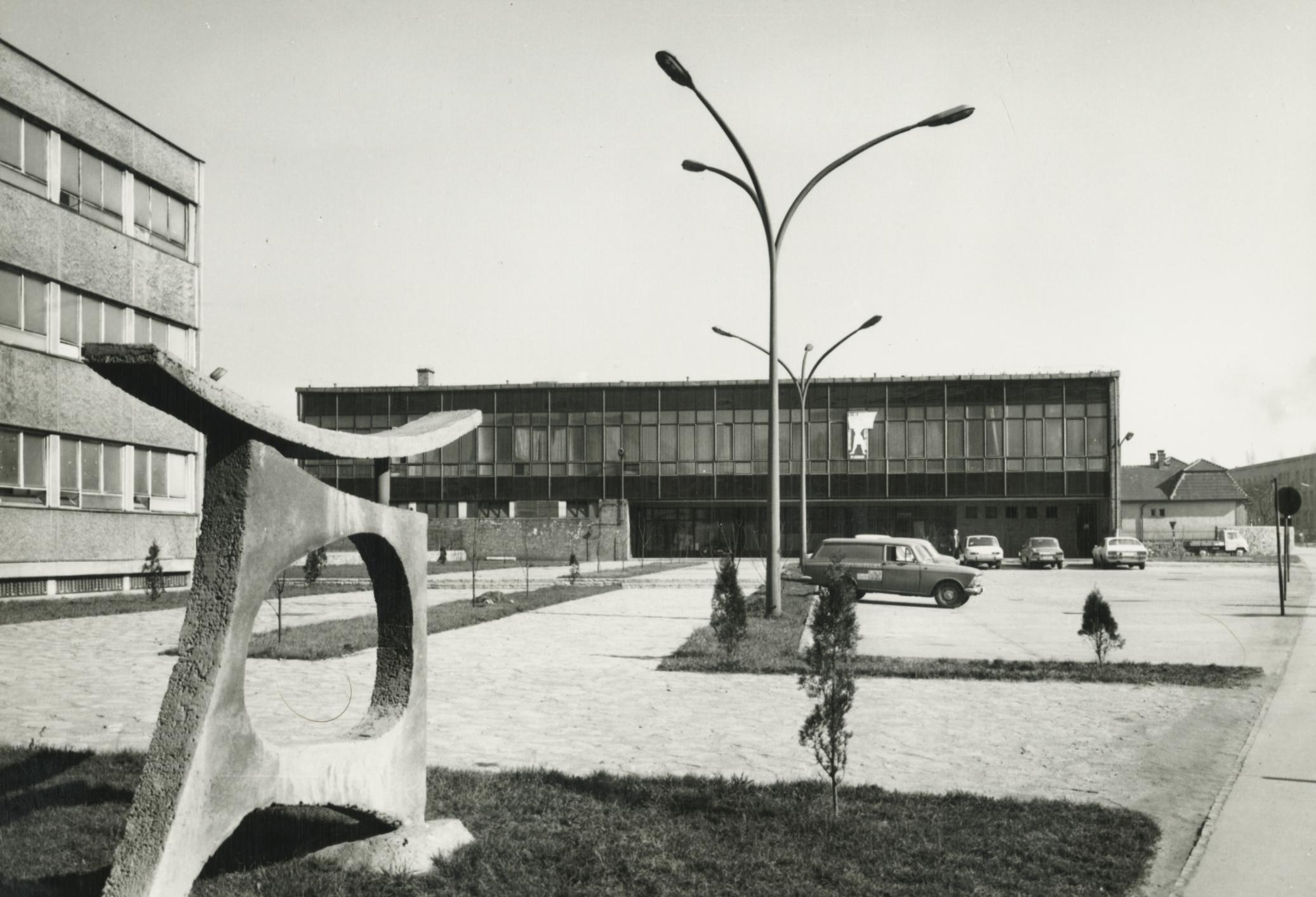ZIM salgótarjáni gyárának szociális épülete