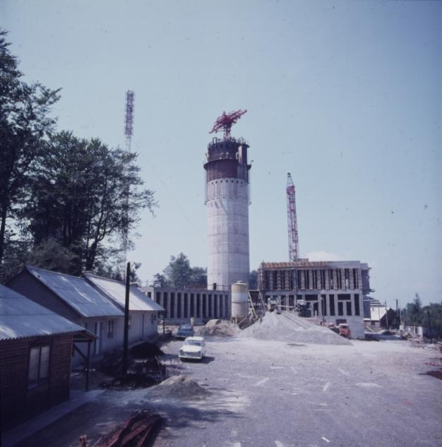 A Kékestetői tévétorony építése