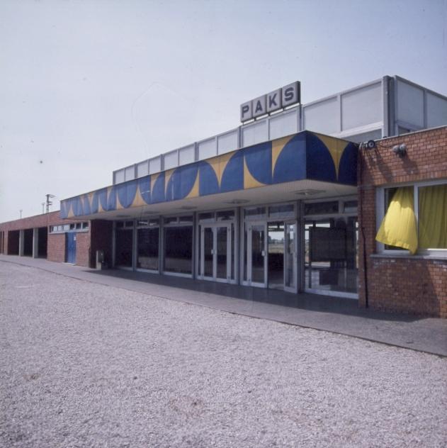 A paksi vasútállomás új felvételi épülete