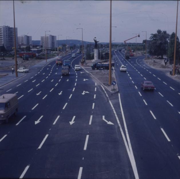 Az M1-es és M7-es autópálya bevezető szakasza az Osztapenkónál