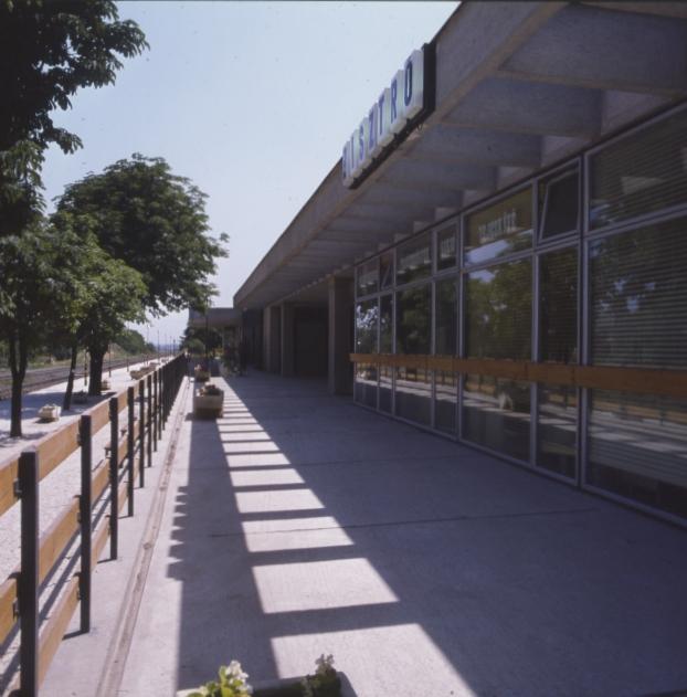 Érd alsó vasútállomás épülete