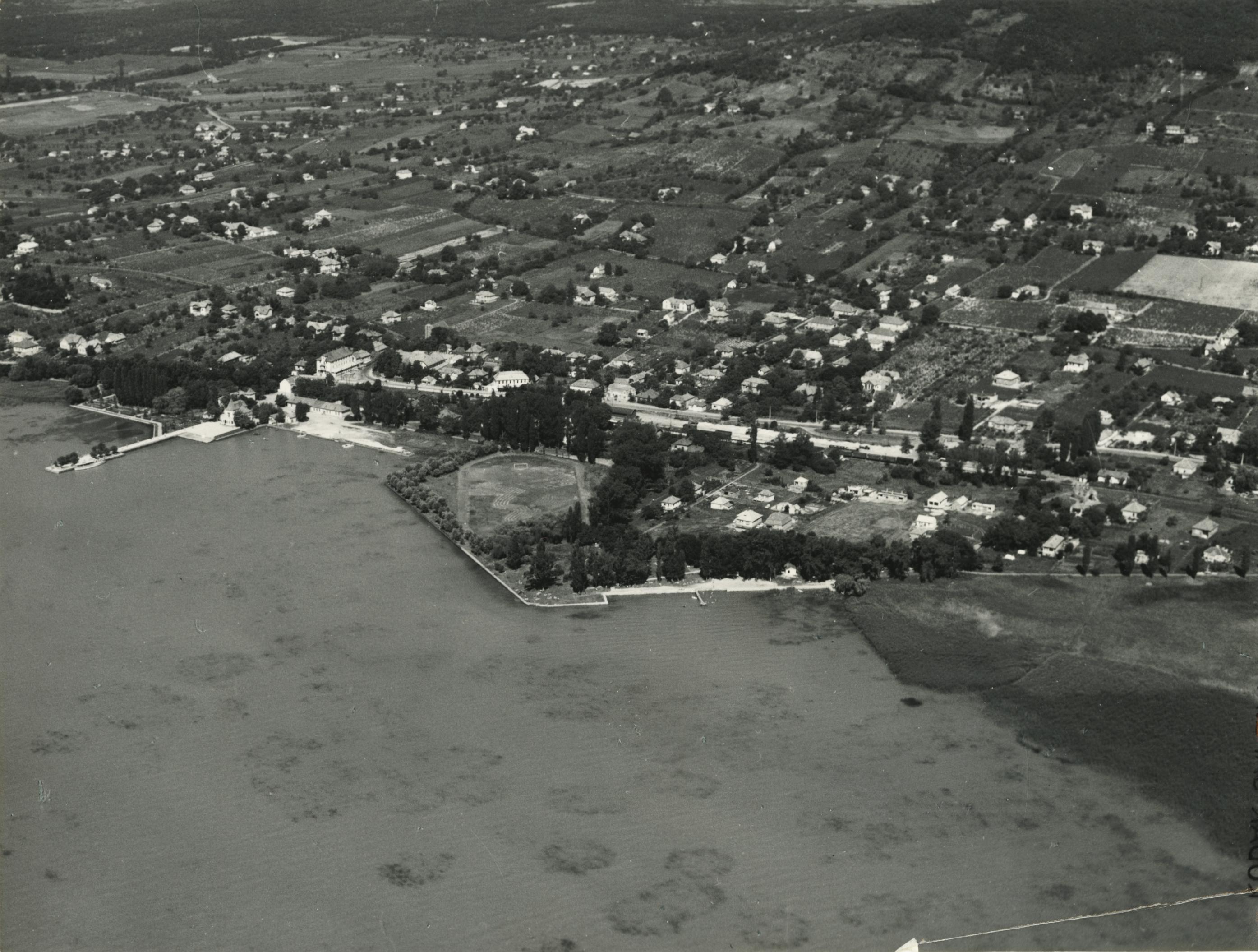 Révfülöp látképe a Szigeti stranddal