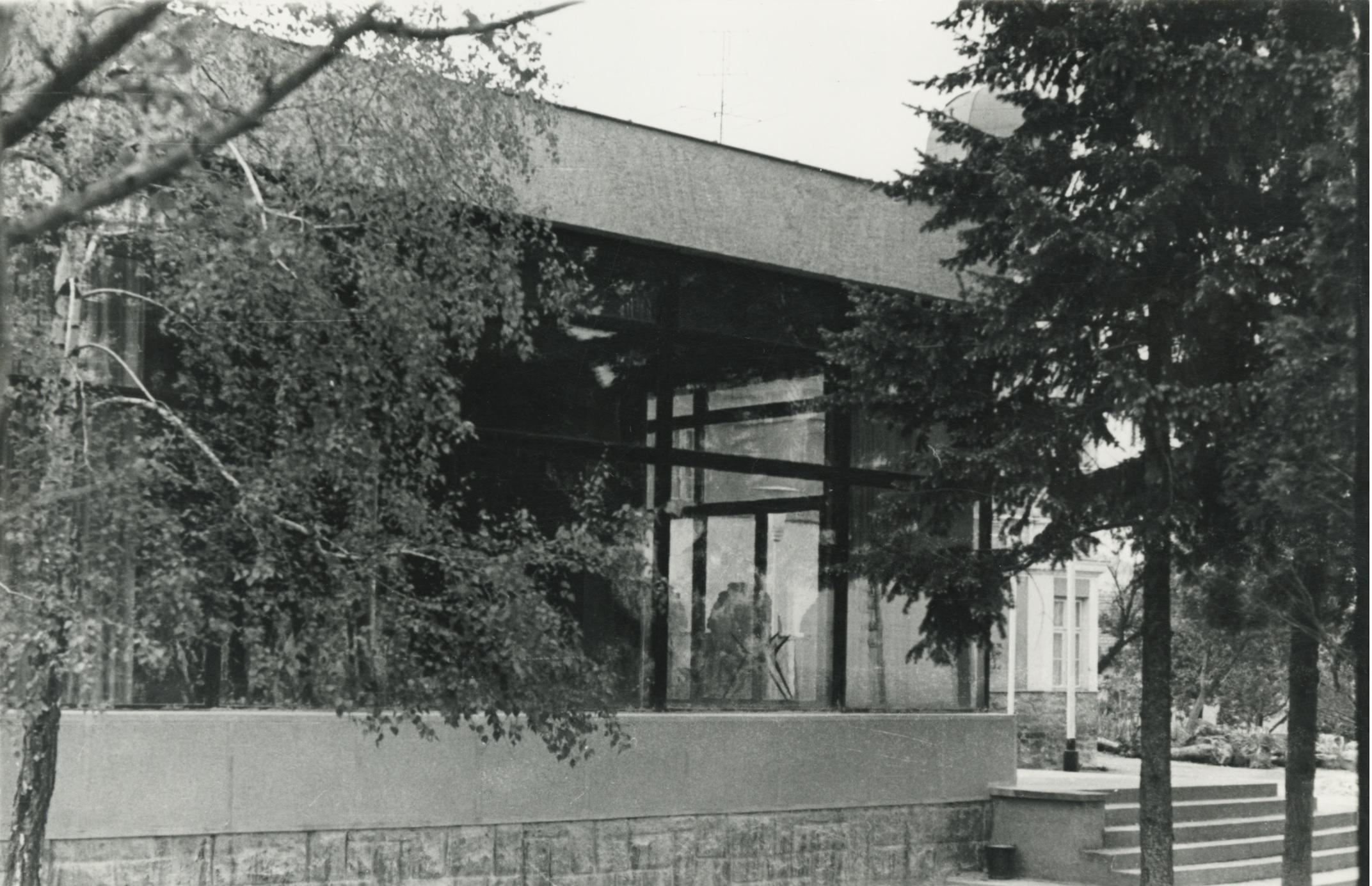 Az egykori Solymosy-villa toldaléképületének oldalhomlokzata