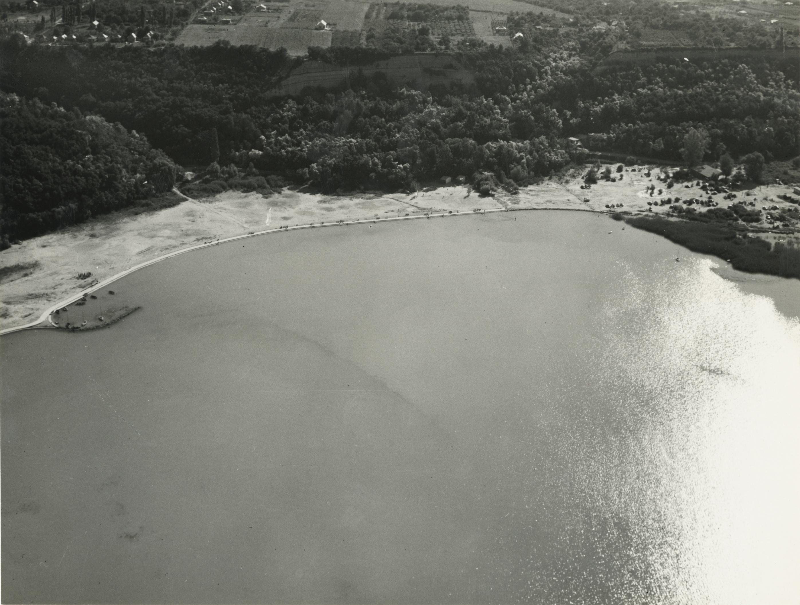 A balatonakarattyai Bercsényi strand látképe