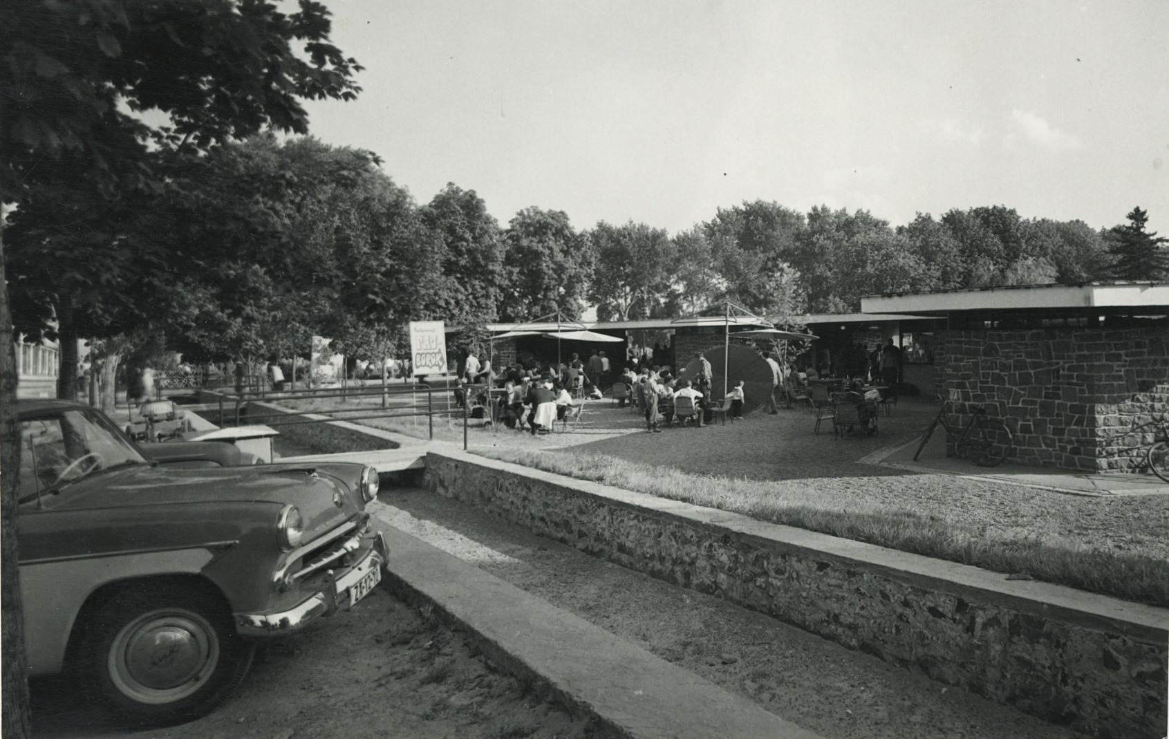 Badacsony üdülőközpontja üzletekkel