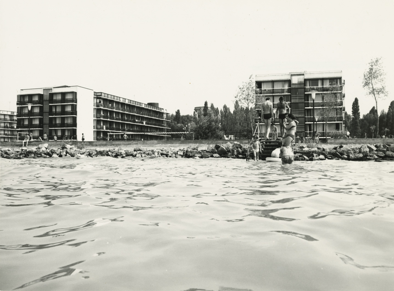 Az Ezüstpart SZOT Üdülő hotelépületei