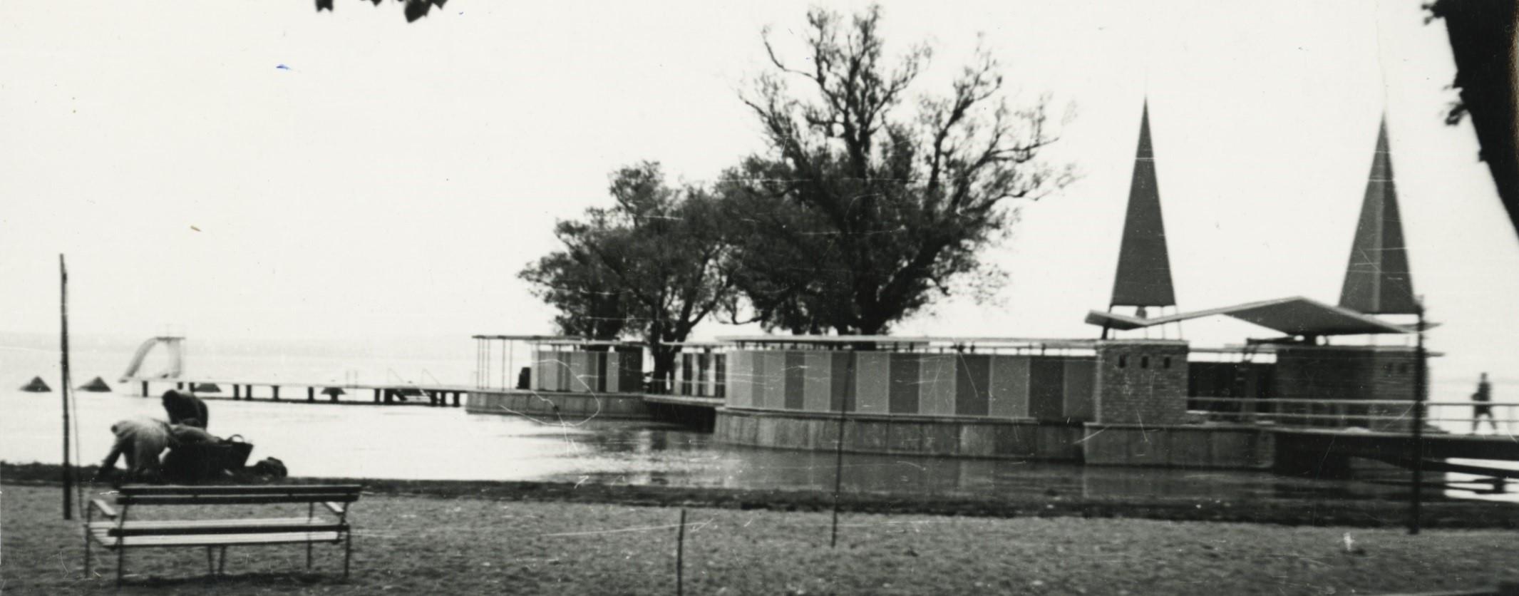 A keszthelyi Szigetfürdő bejárata az 1961-es átépítés után