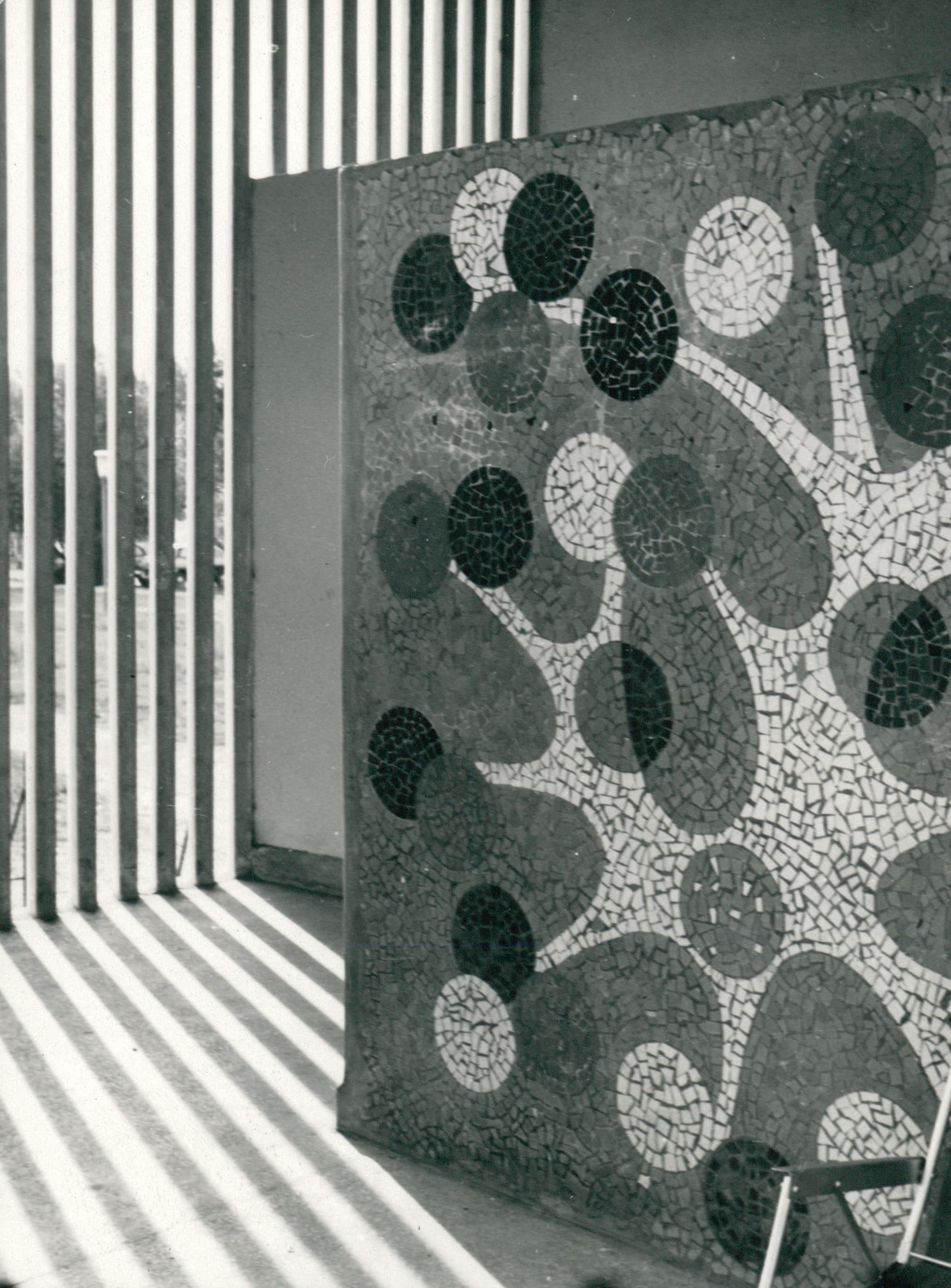 Mozaikdísz egy füredi épületen