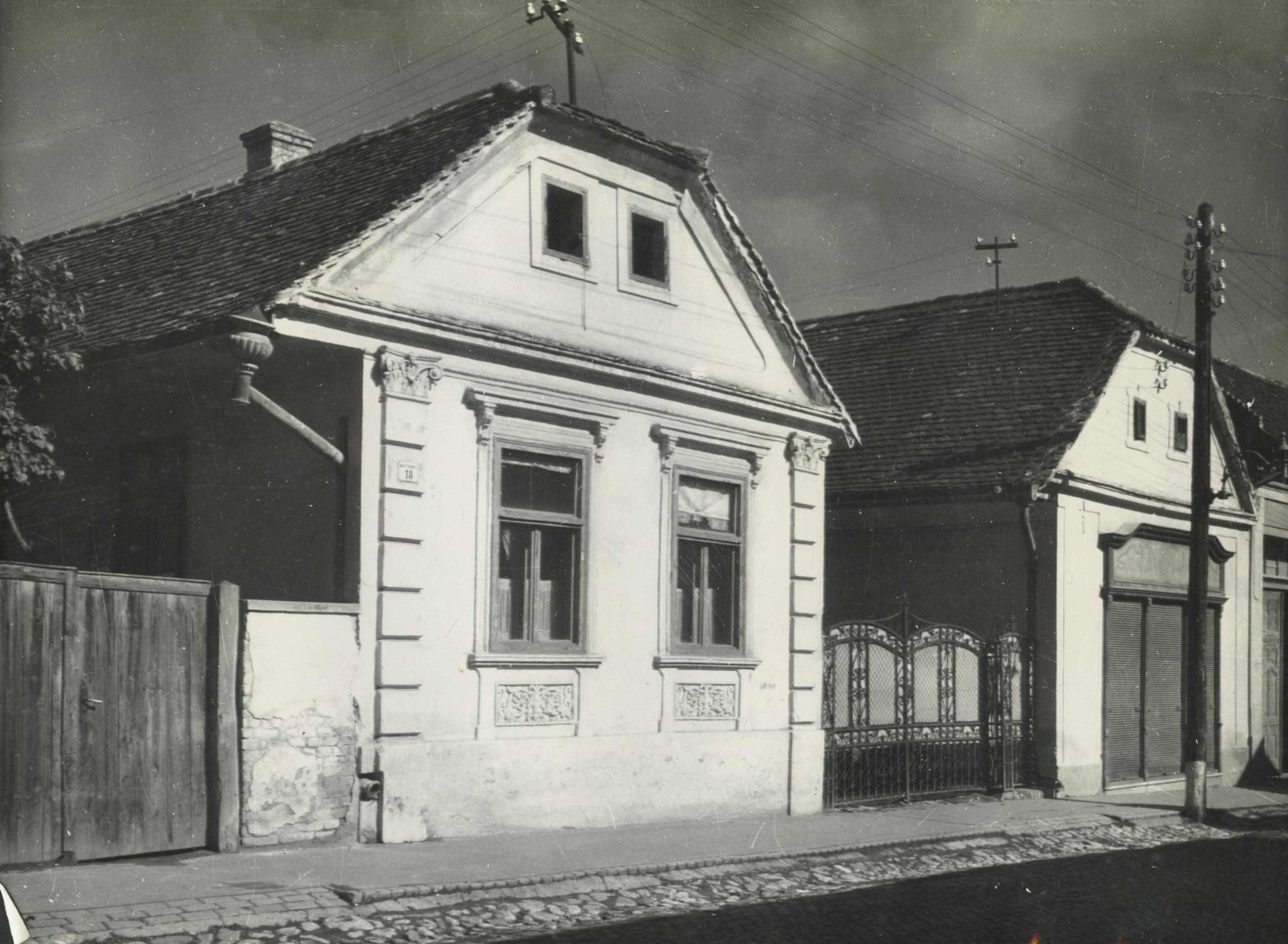 Bonyhád, Bajcsy-Zsilinszky utca 18. számú épület