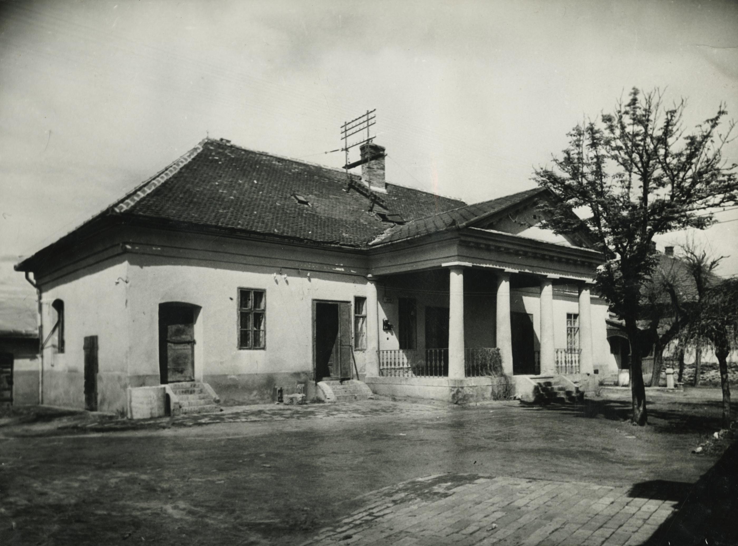 Az abonyi Ungár ház főhomlokzata