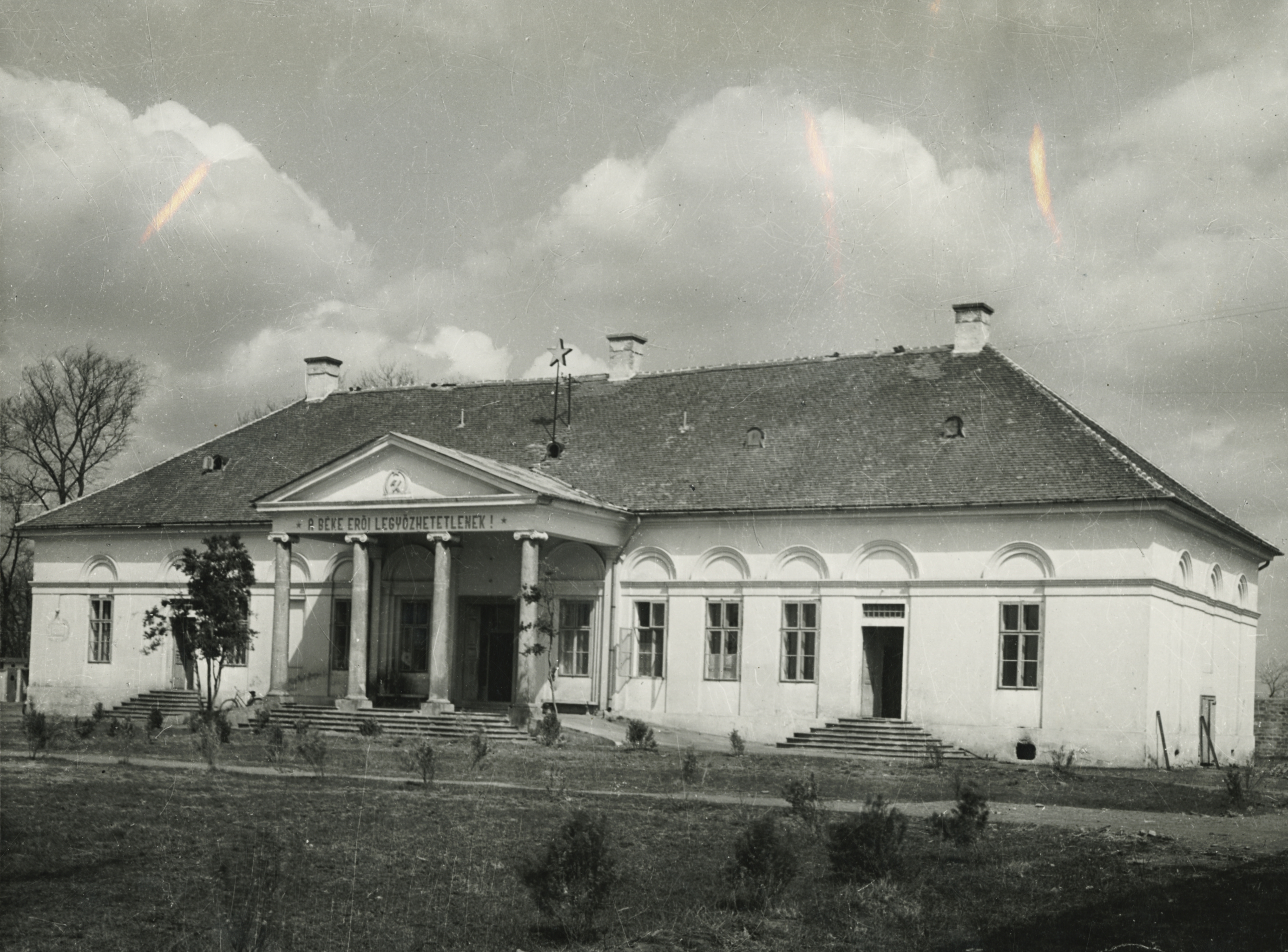 Az abonyi Vigyázó-kastély főépülete
