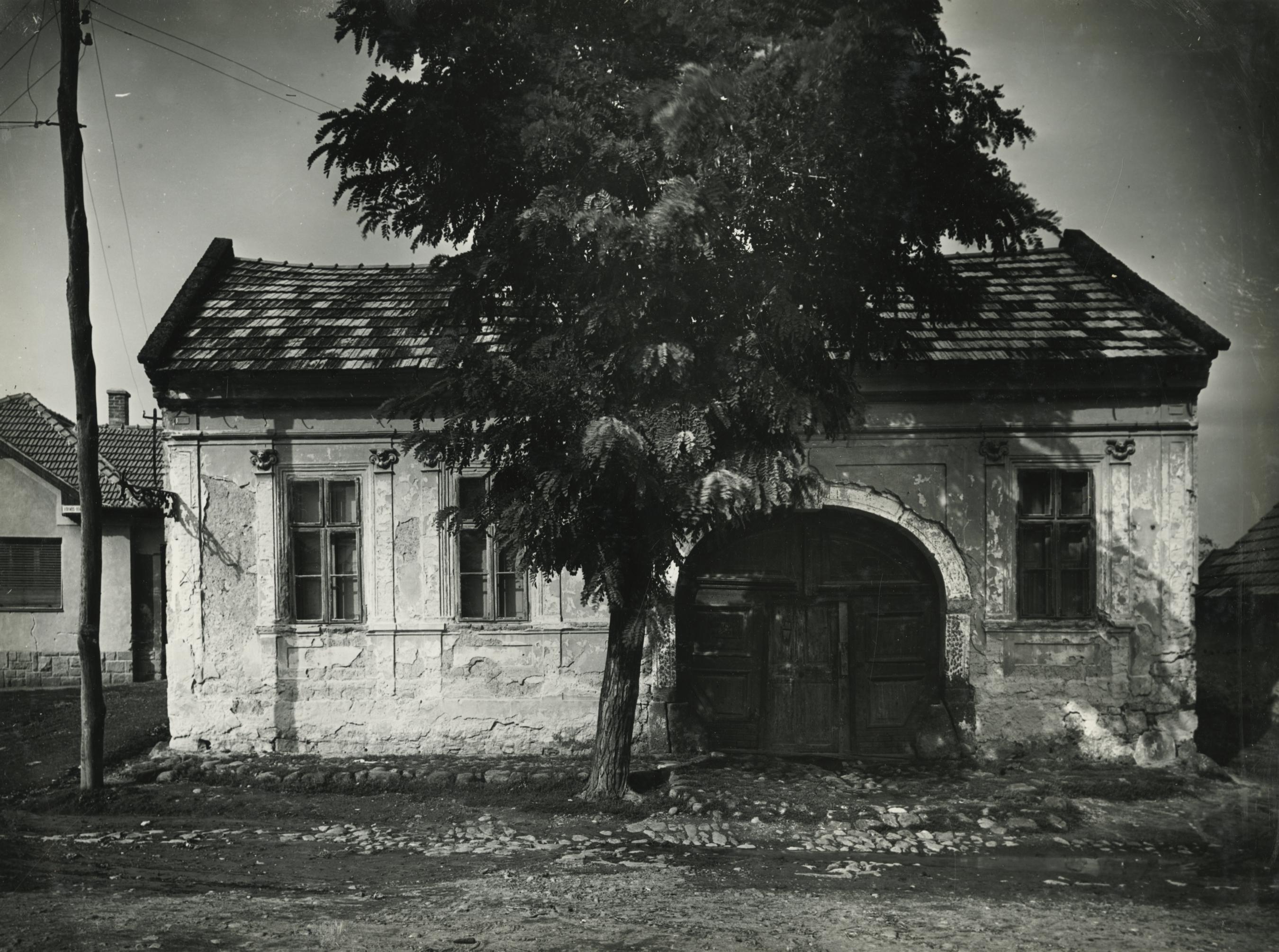Gyöngyös, Szent János utca 5. számú lakóház
