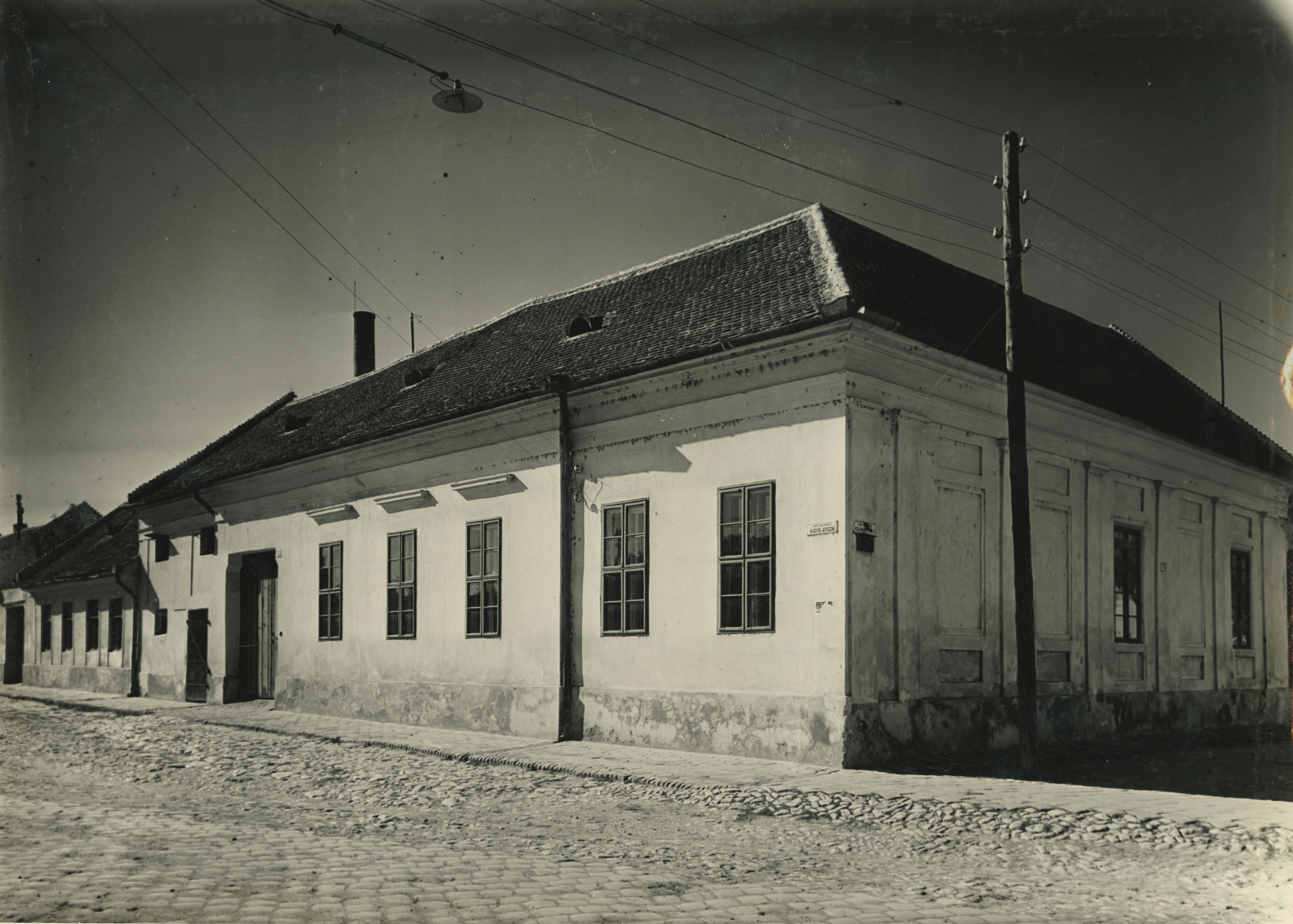 A bajai Galamb utca 7. szám alatti klasszicista lakóház